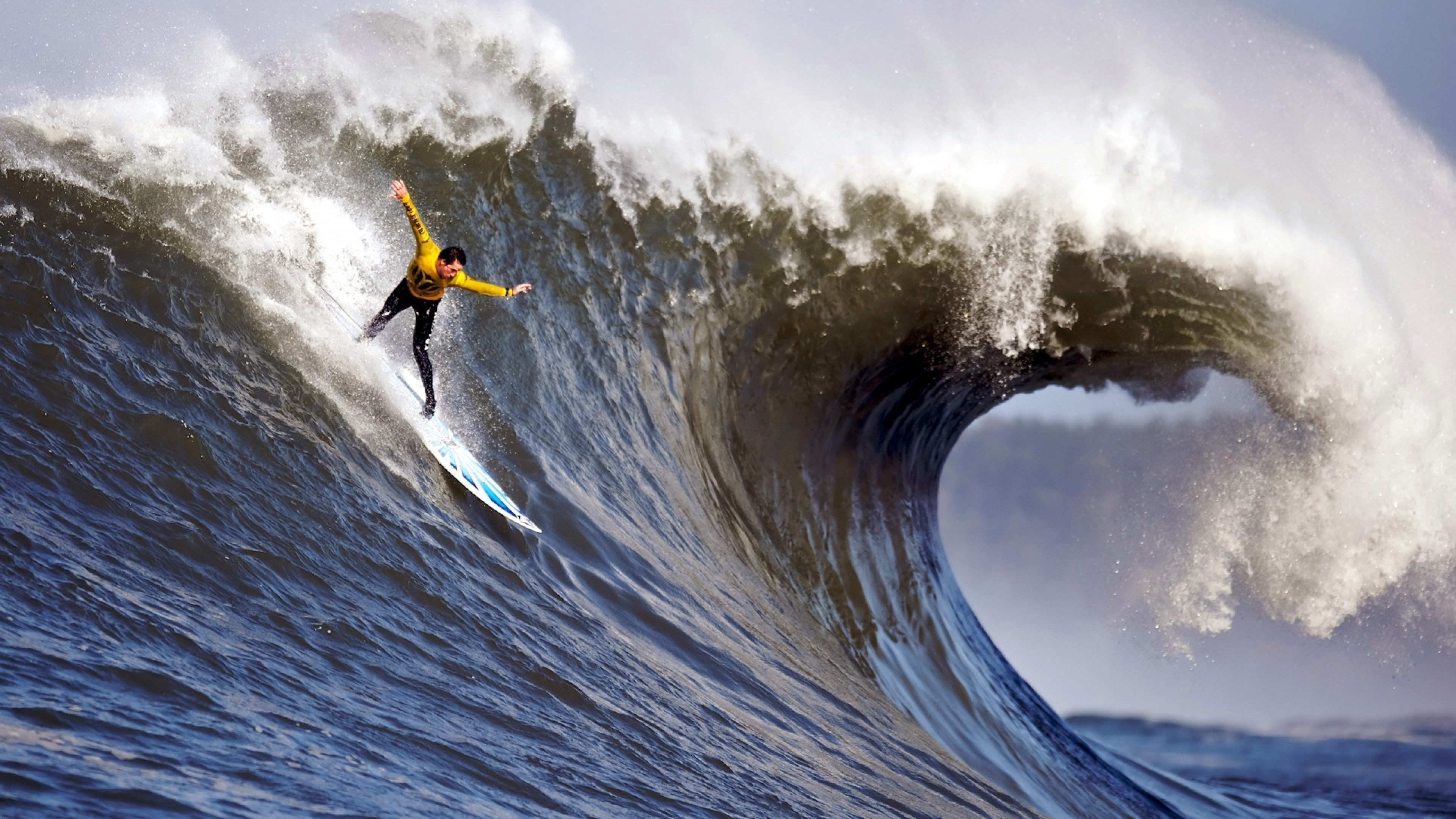 Preview wallpaper surfing, guy, wave, splashes, crest, extreme, hands,
