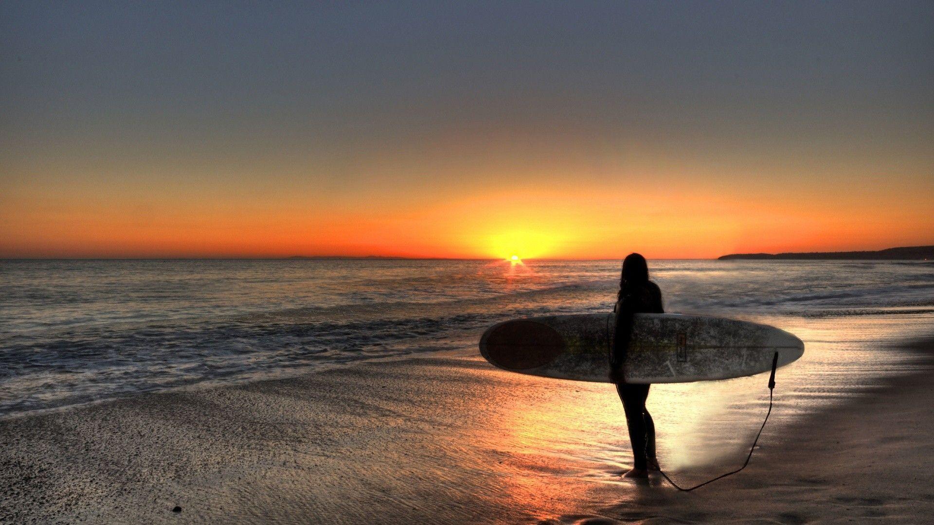 Surfer Beach Wallpaper – 1528680