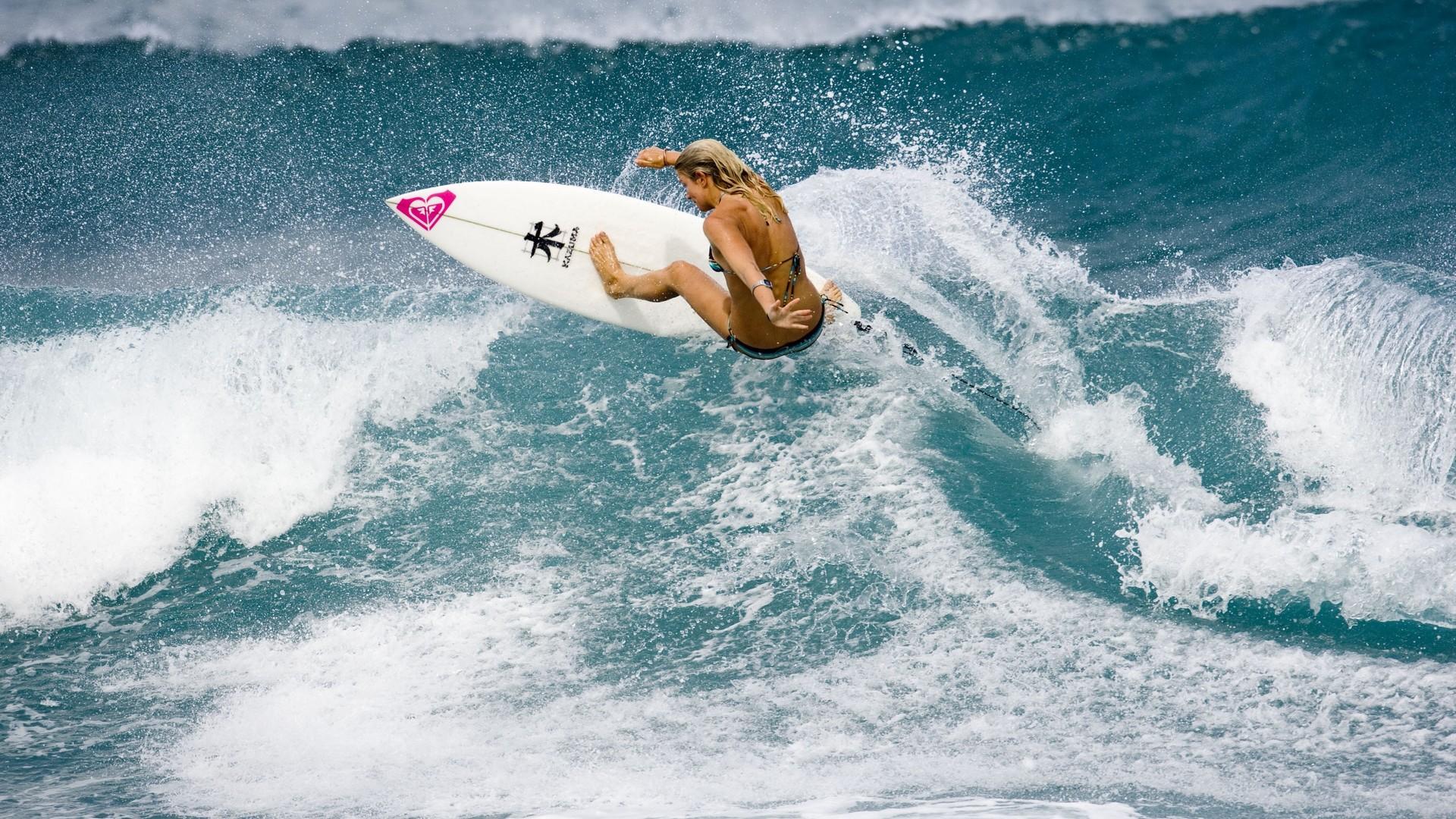 Sports – Surfing Wallpaper