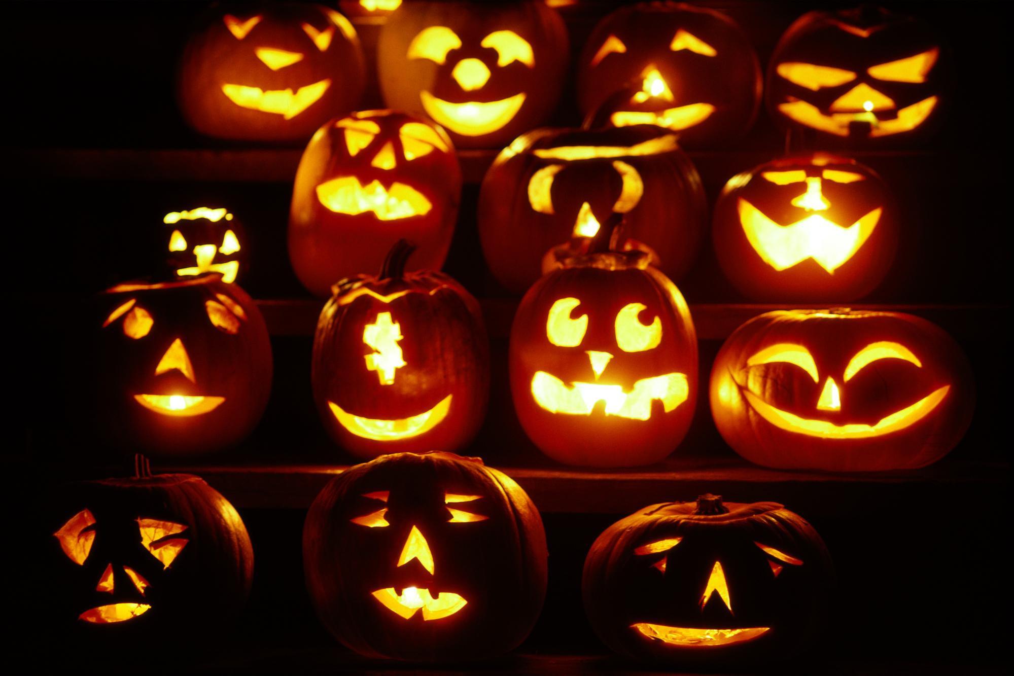 Pumpkins Halloween Wallpaper.