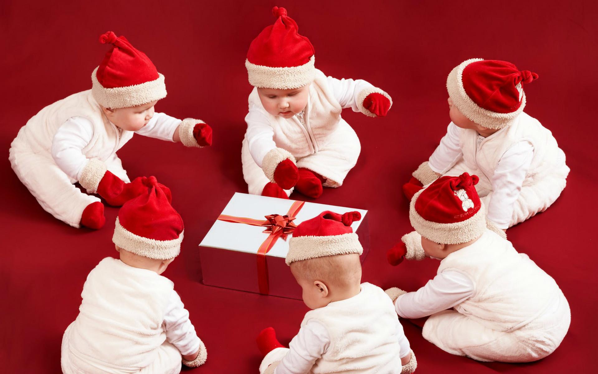 15 Beautiful Merry Christmas Santa Claus Hd Wallpapers