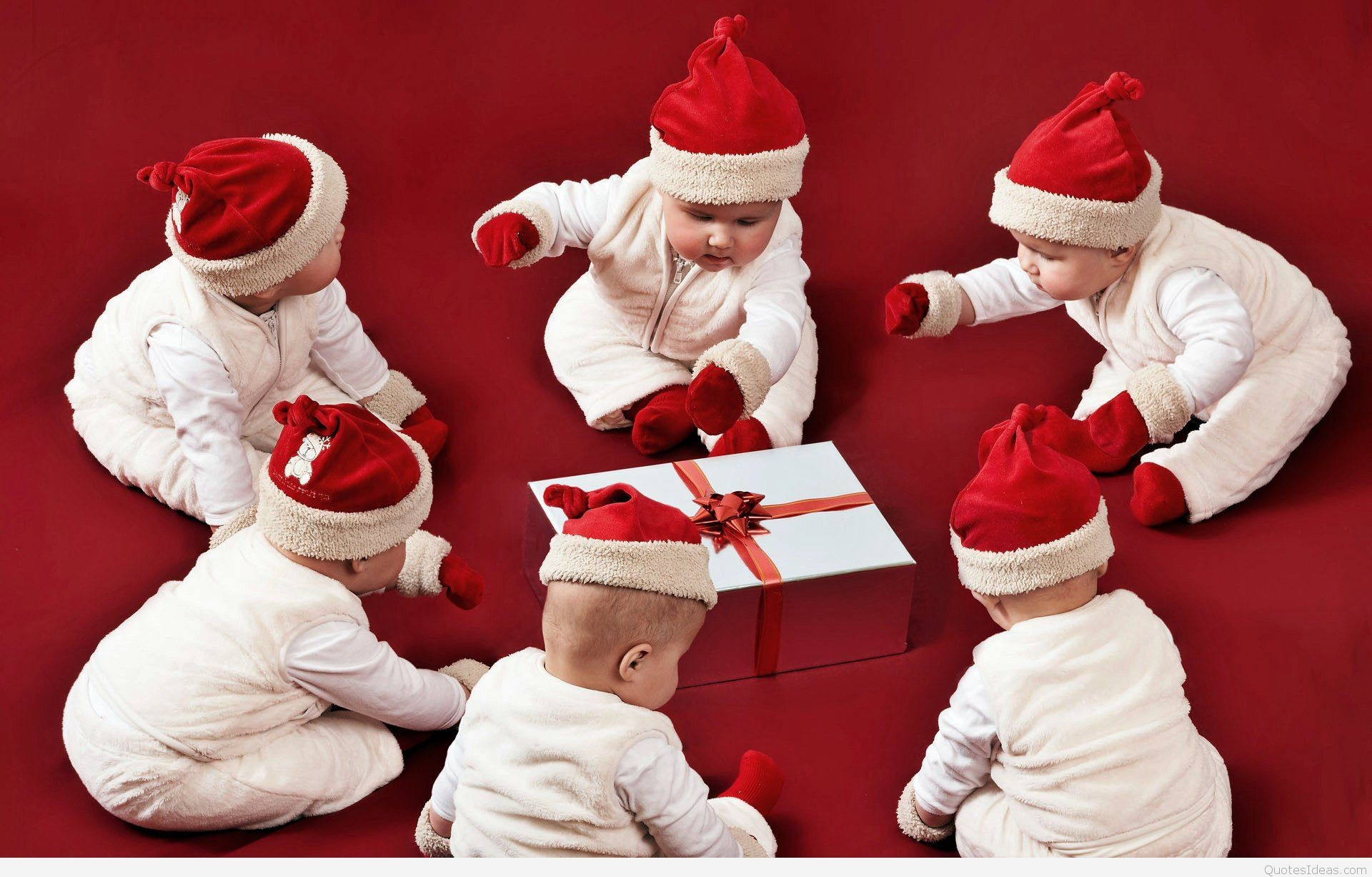 Funny-Merry-Christmas. Cute-Santa-Babies