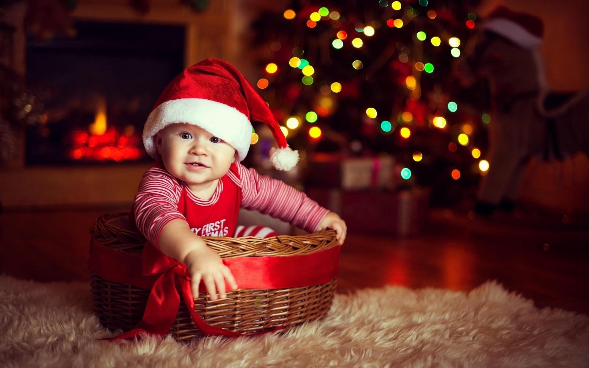 Cute Baby Wearing Christmas Cap Photo – View 1920 x 1200