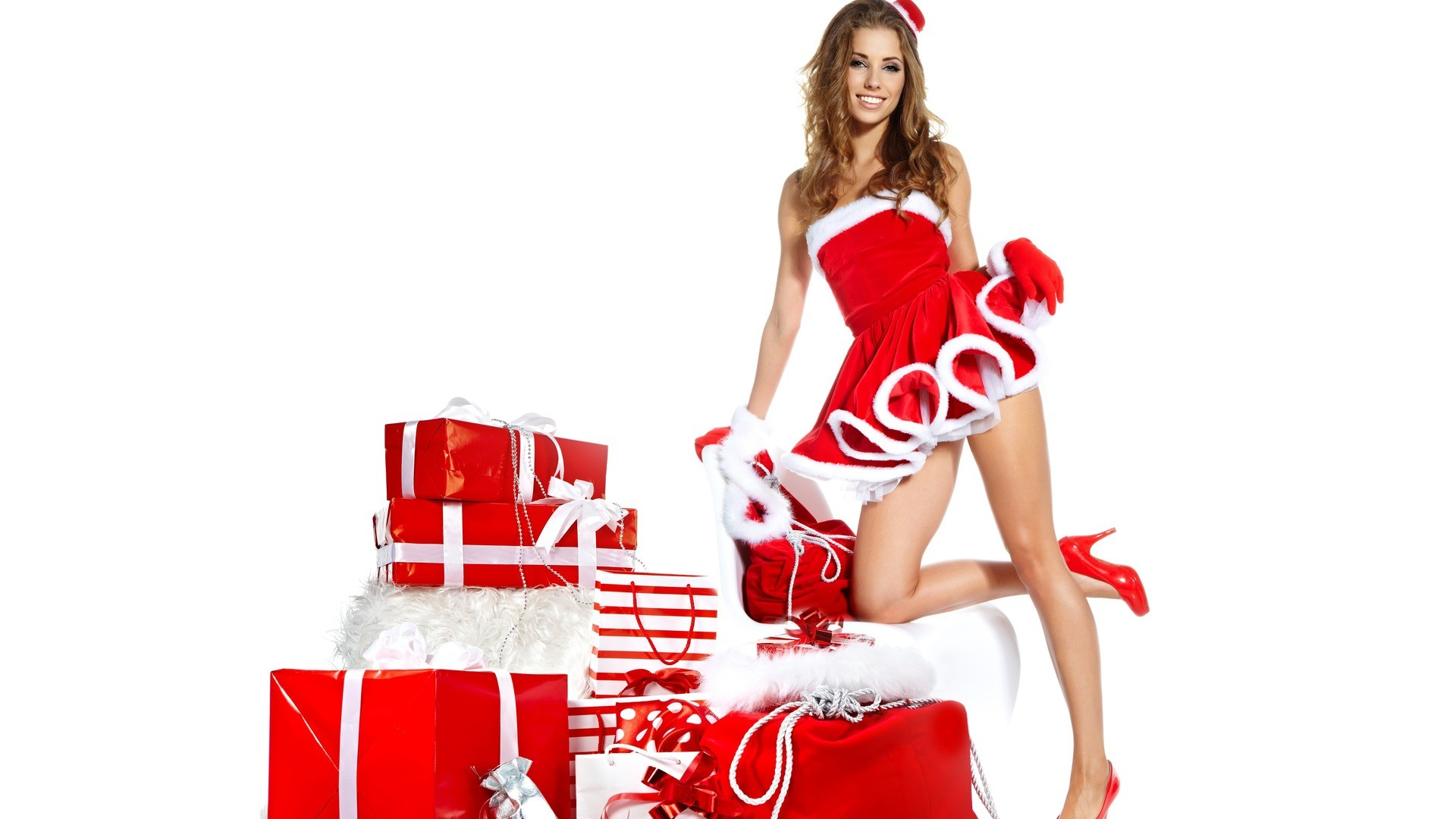 Share best and famous Gifts For Christmas and decoration ideas to our  friends and love once. Find Gifts For Christmas ideas 2014 on Christmas  Idol.