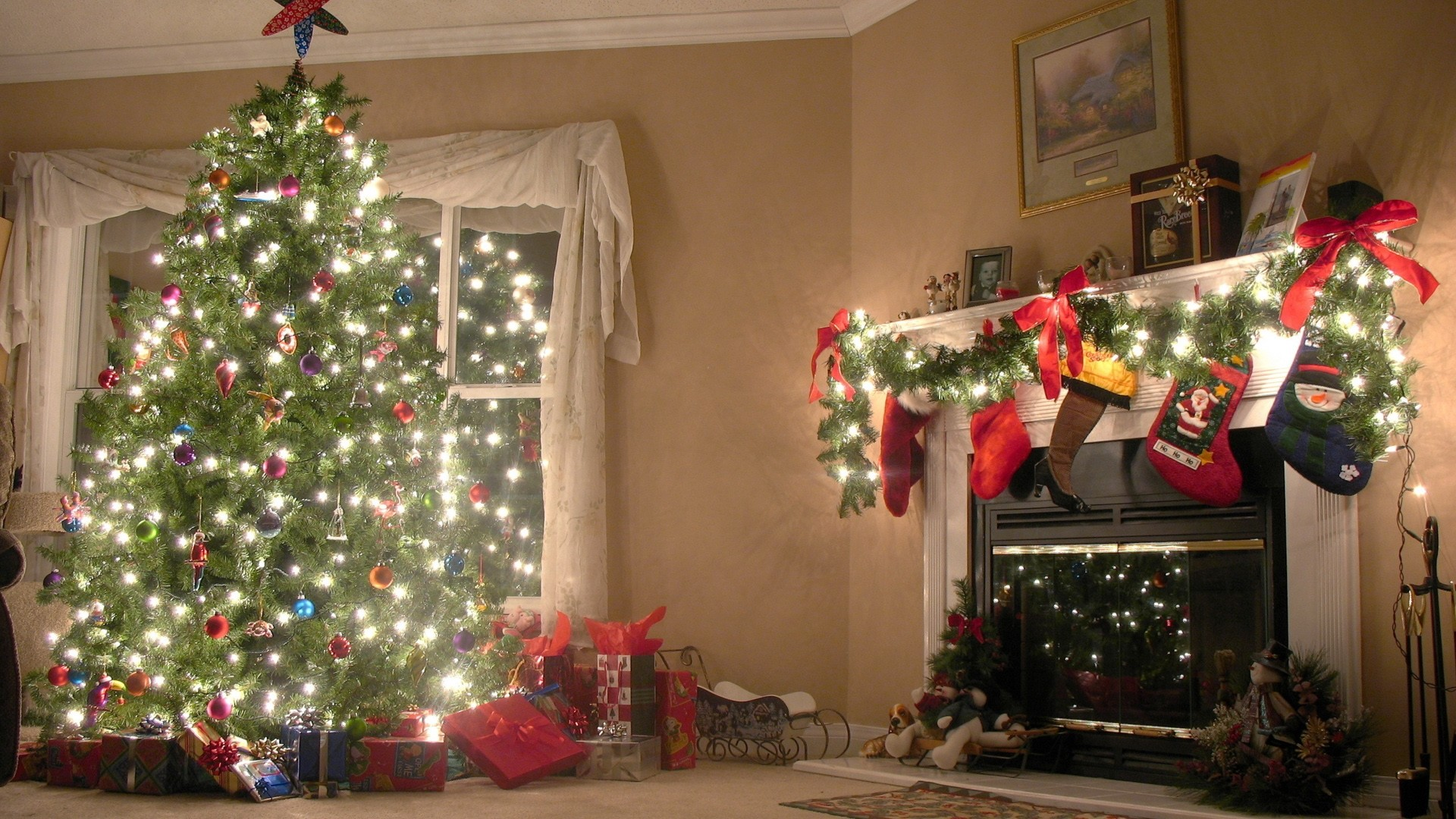 Preview wallpaper new year, christmas tree, decorations 1920×1080