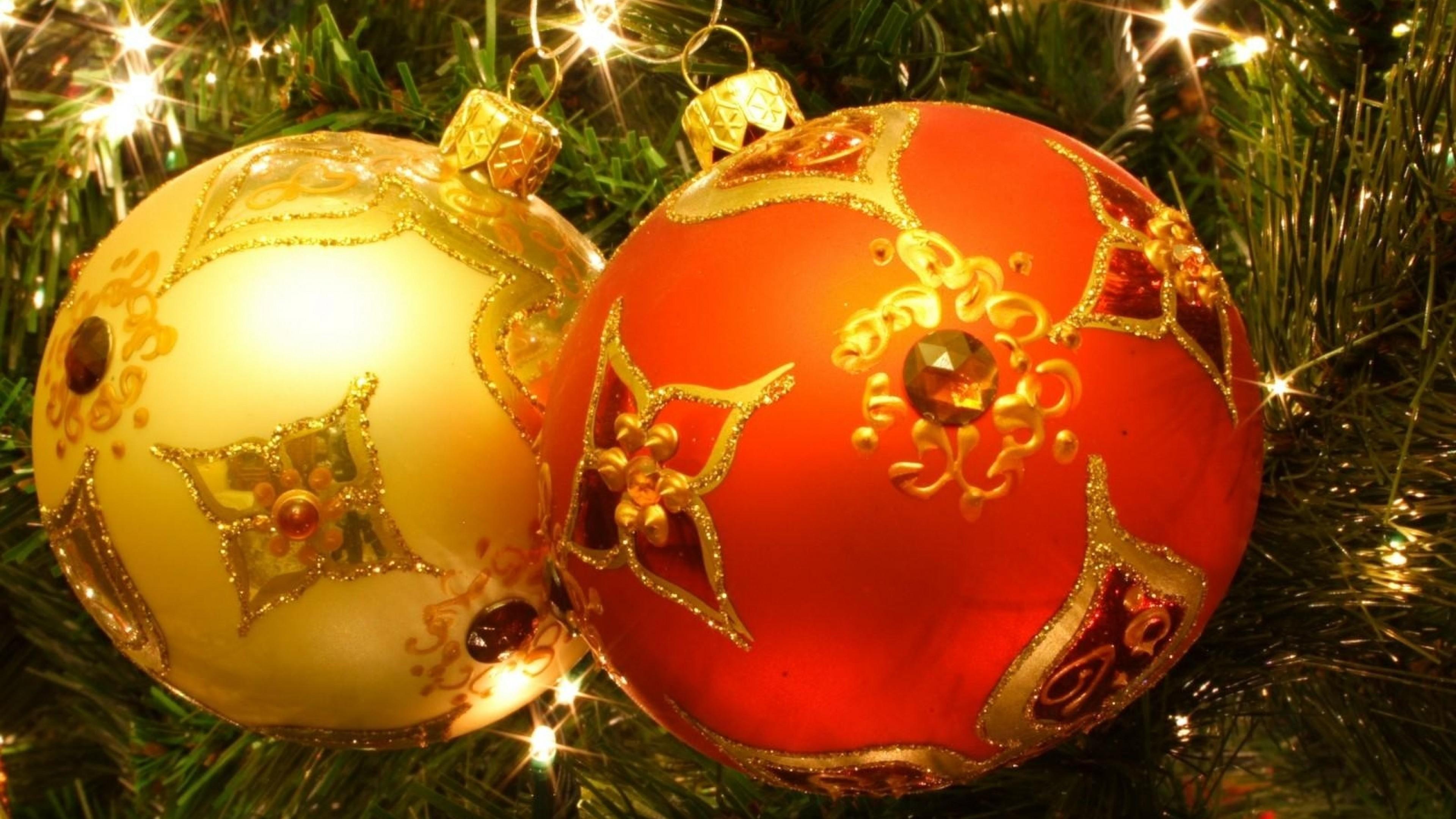 … Background 4K Ultra HD. Wallpaper christmas toys, balls,  couple, christmas tree, garland, holiday,