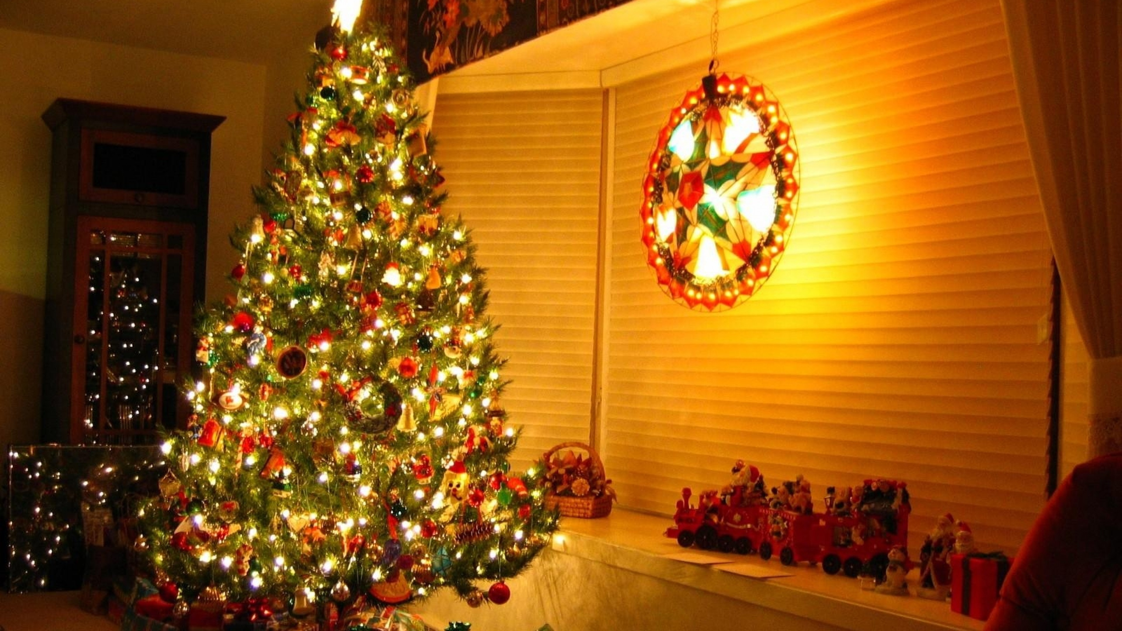Related Wallpapers ornaments, christmas tree. Preview ornaments