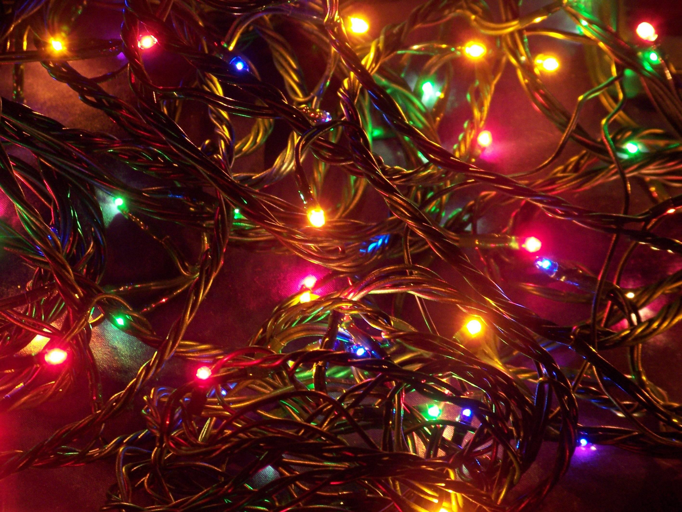White Christmas Lights Screensavers (15)