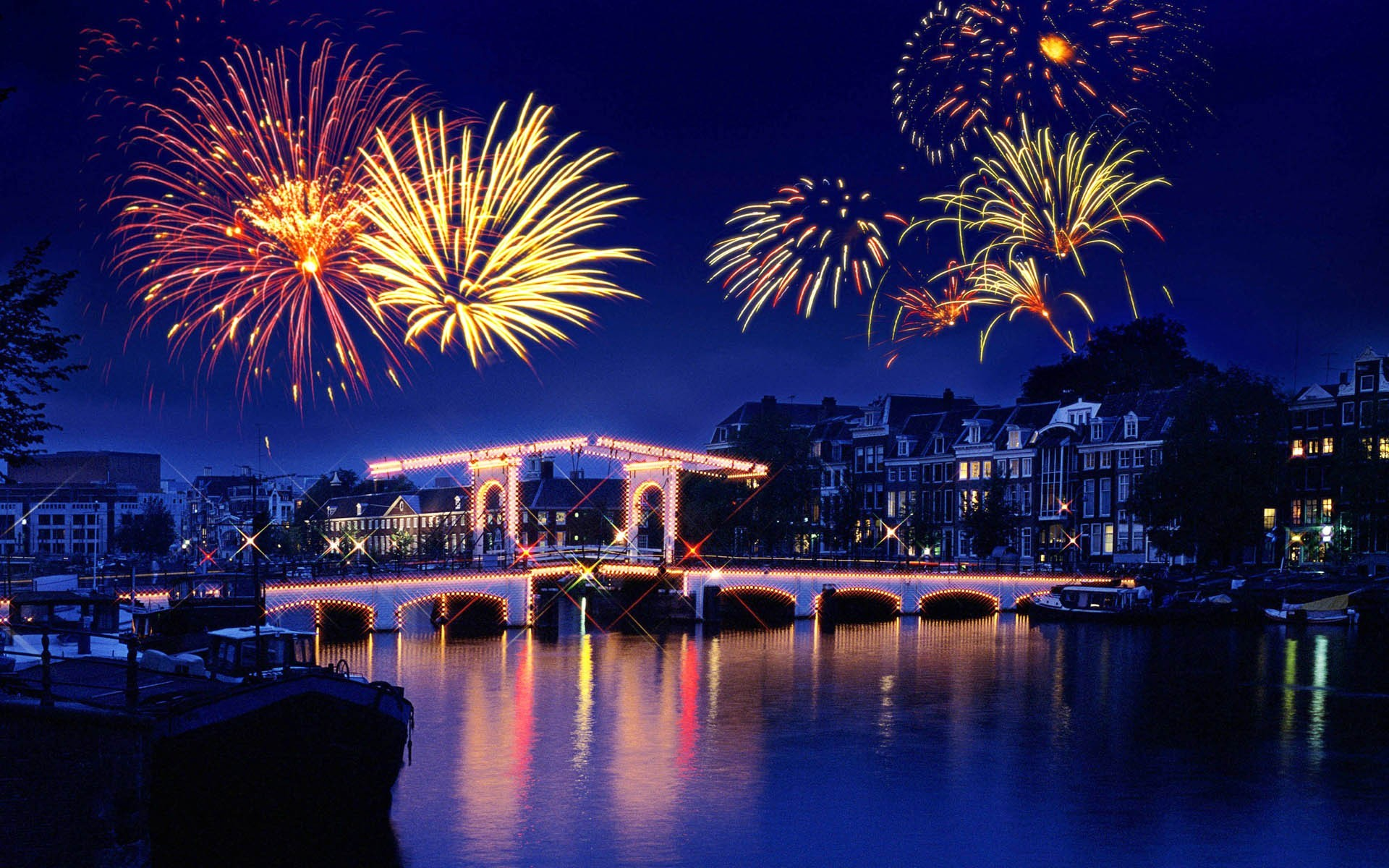 New Year Fireworks 2016 – HD Wallpapers Backgrounds Provides Wide Range of New  Year Fireworks 2016 HD Wallpapers. We Select a list of Best New Year …