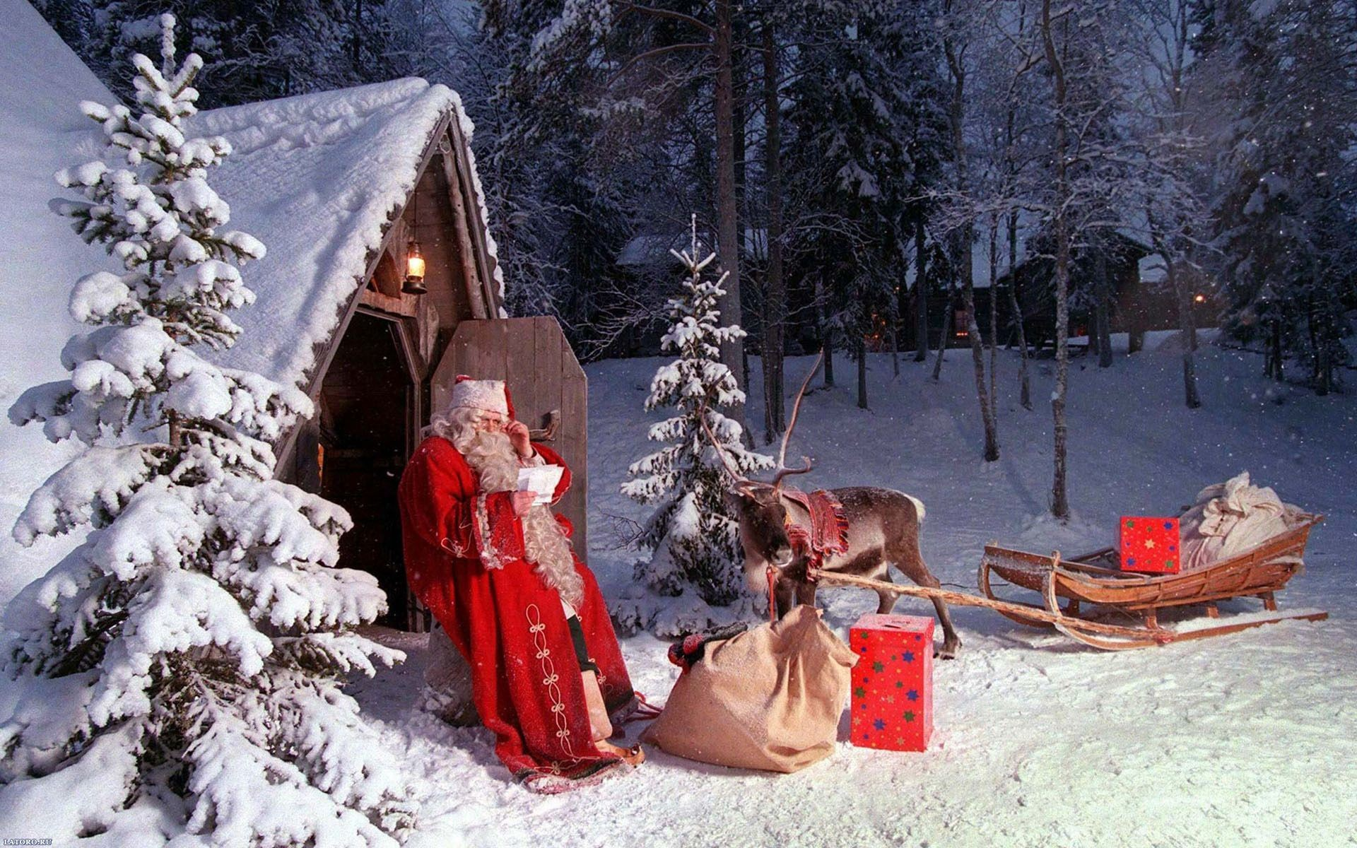 Free Santa Claus Christmas Holiday computer desktop wallpaper