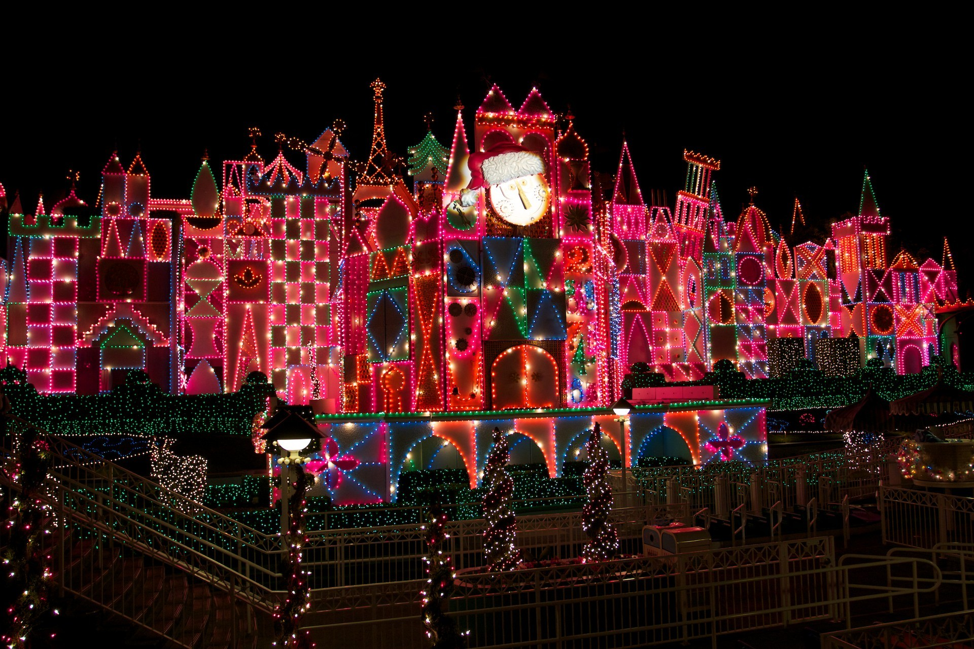 Disneyland It's a Small World Christmas Lights Desktop Wallpaper