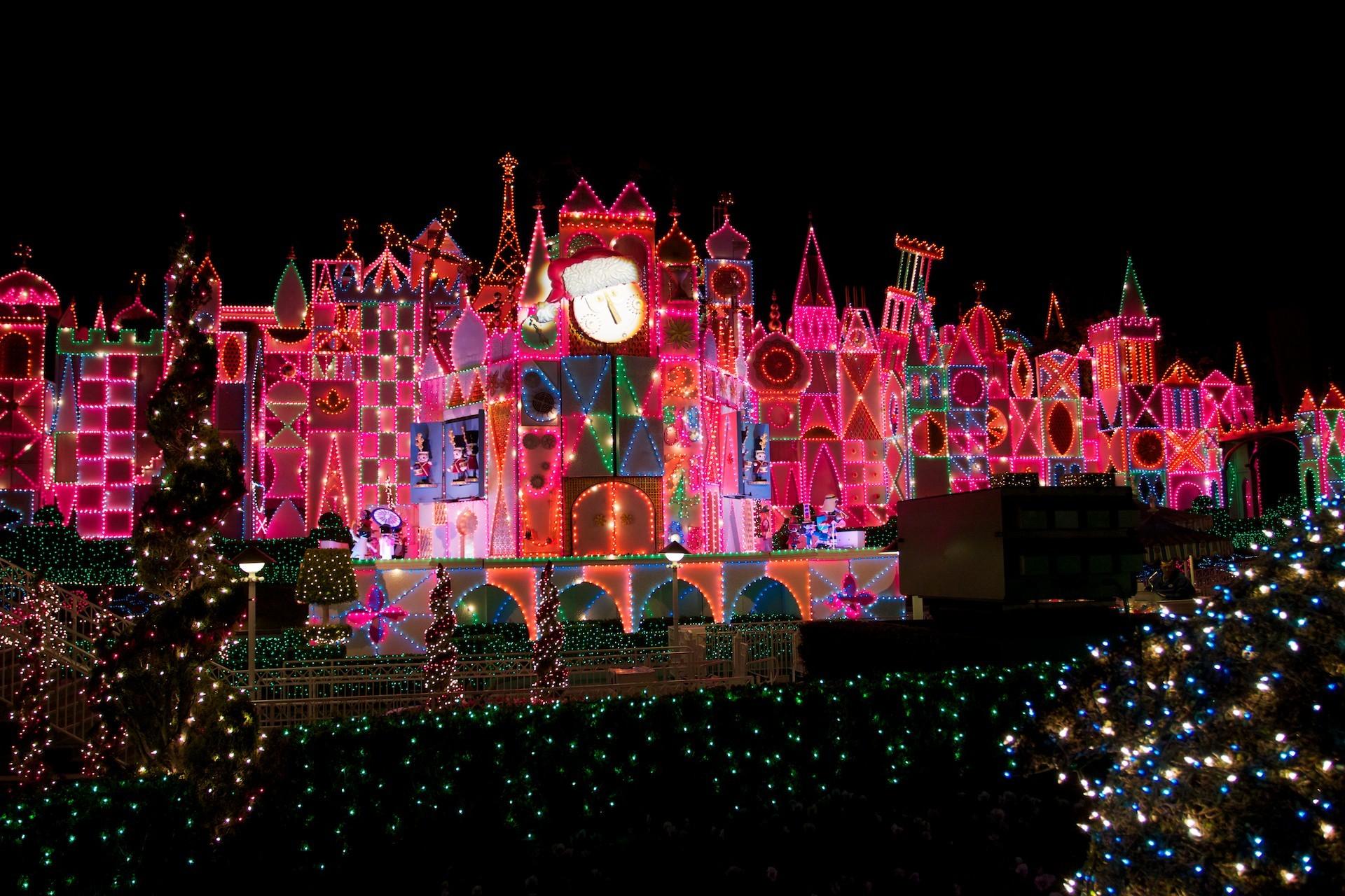 Go Back > Images For > Disney Castle Christmas Wallpaper
