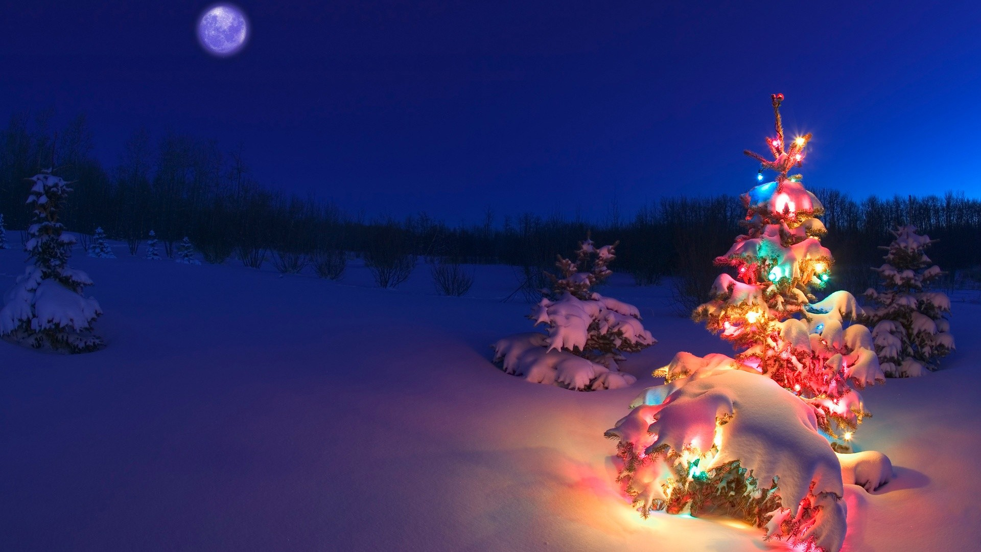Christmas Wallpaper HD with Snow and Moon