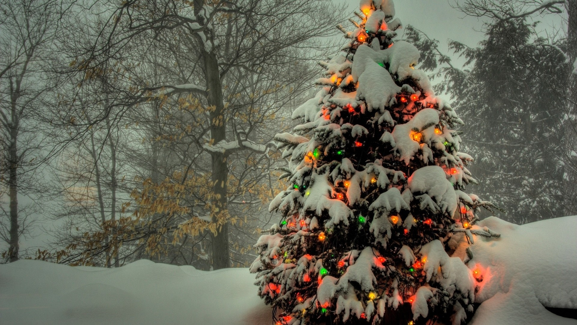 Preview wallpaper christmas tree, toys, light, snow 1920×1080