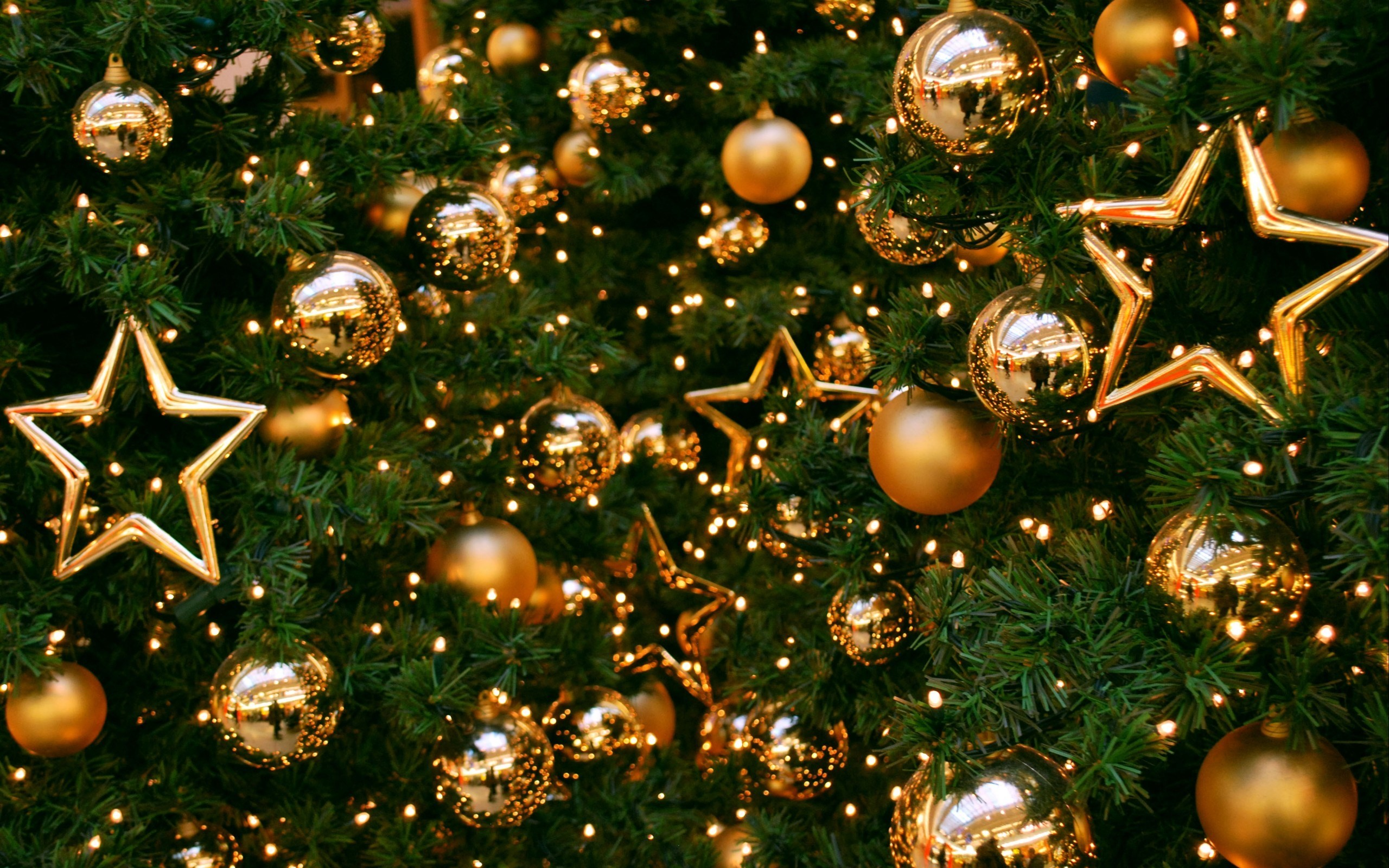 Christmas Tree On Balls And Stars