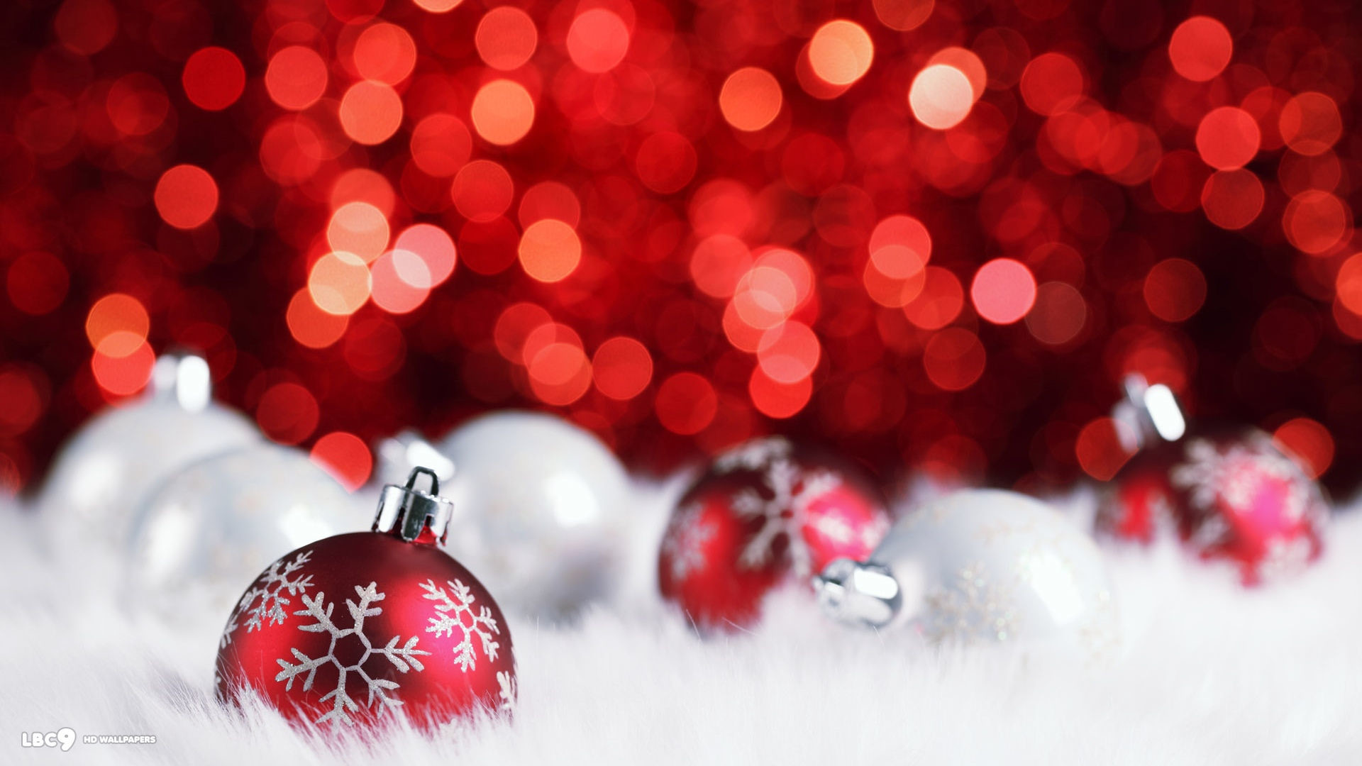 red silver christmas balls decorations bokeh holiday desktop background
