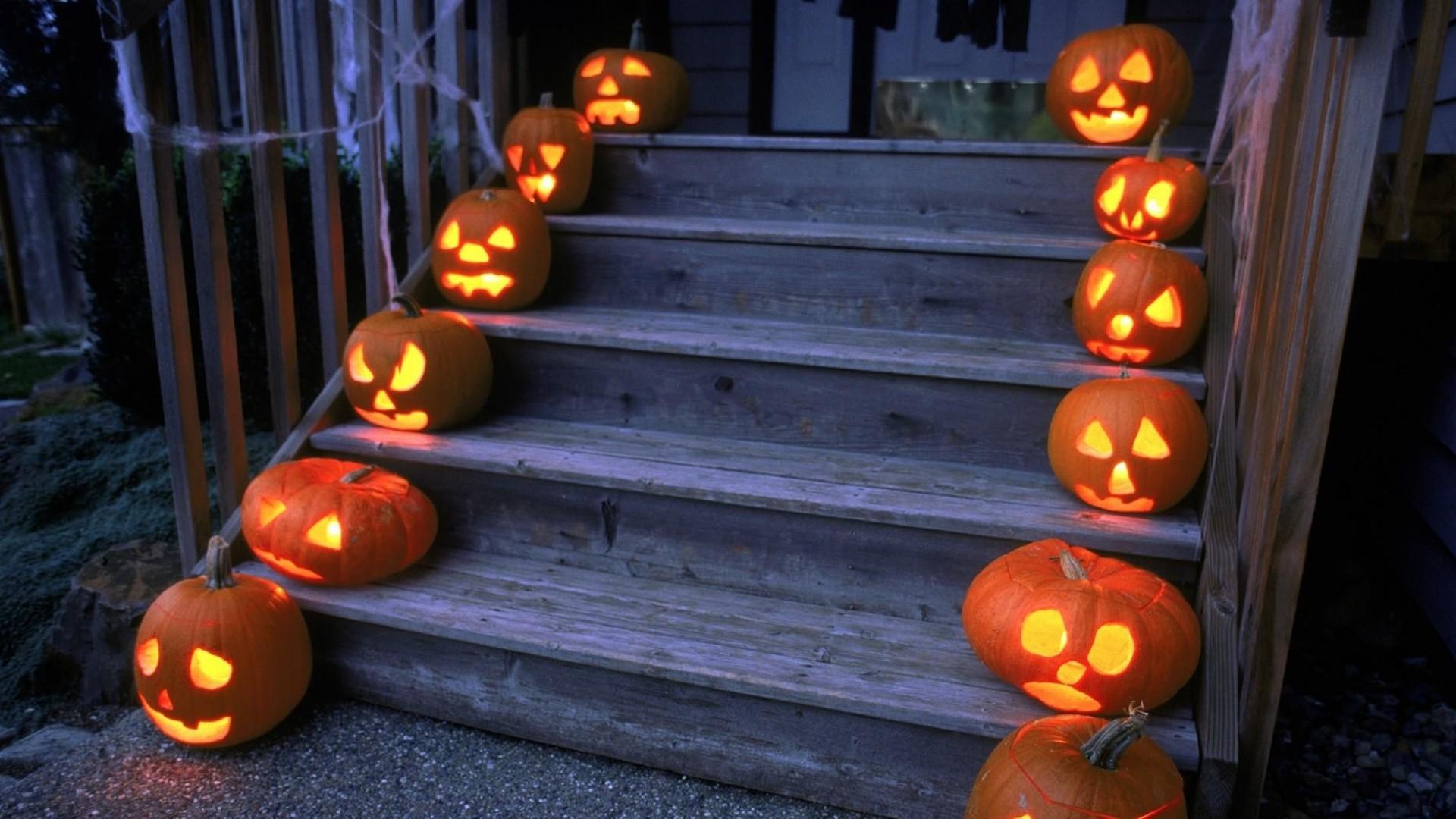 Wallpaper halloween, holiday, pumpkin, stairs, porch