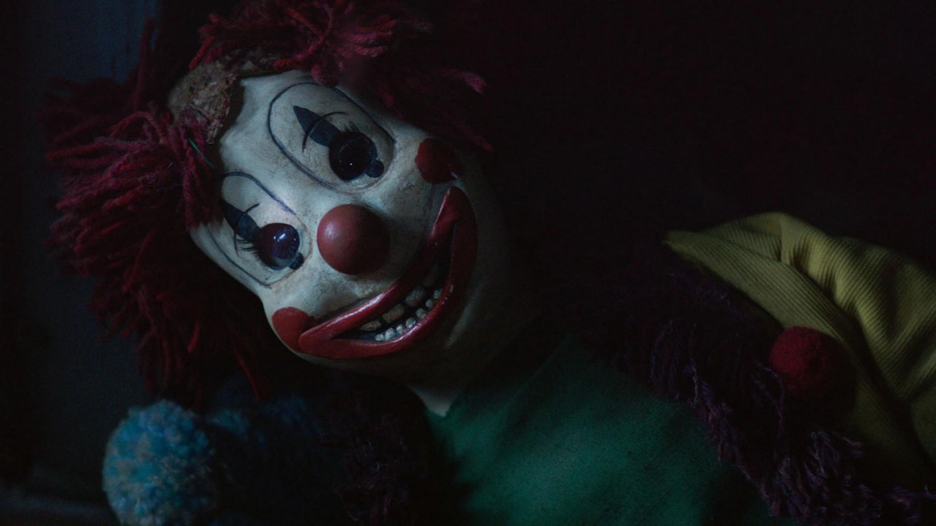 Preview wallpaper poltergeist, 2015, clown, toy, horror 1920×1080