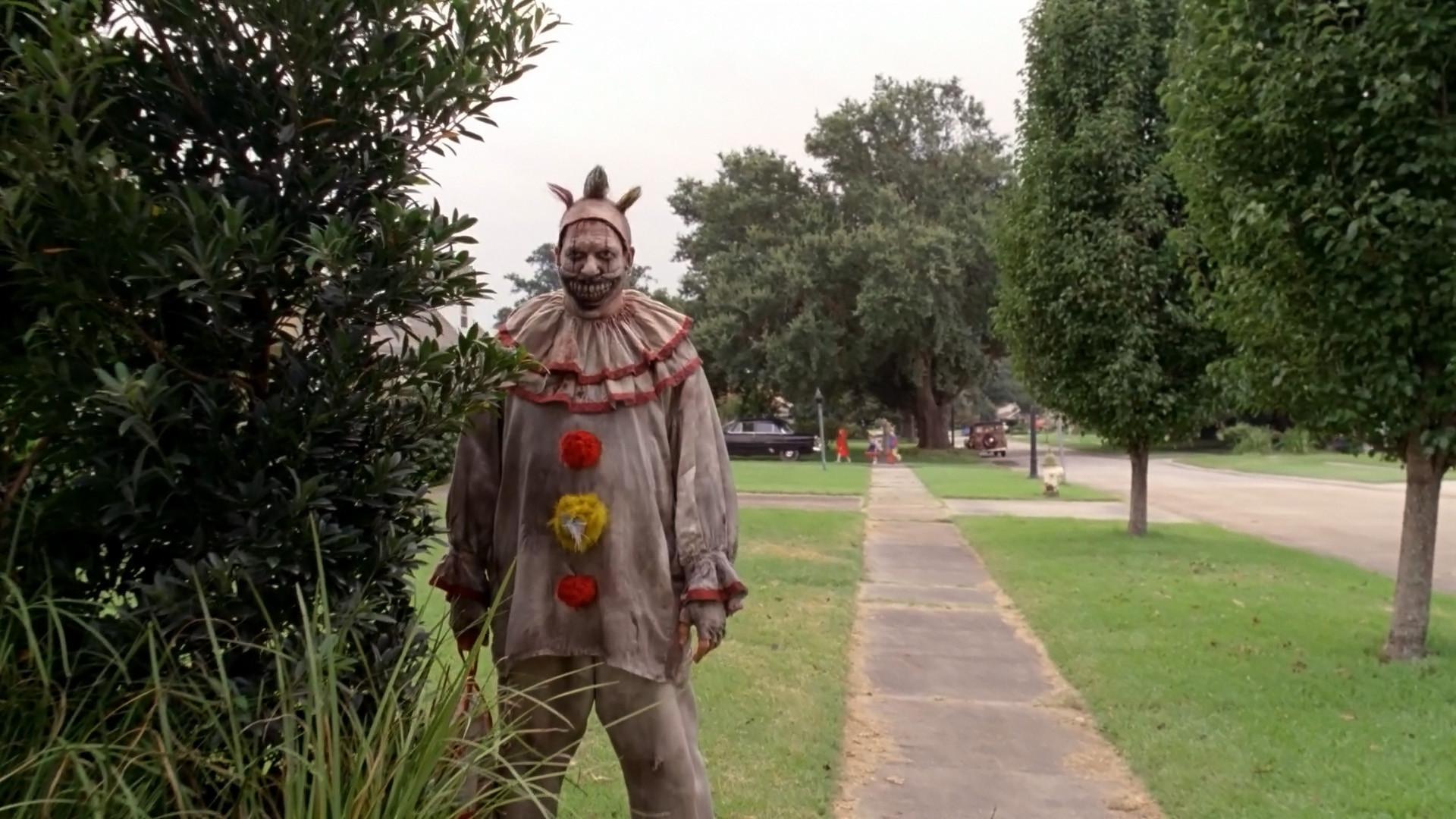 Twisty from American Horror Story Season 4 / Michael Myers/Halloween Nod  [1920×1080] …