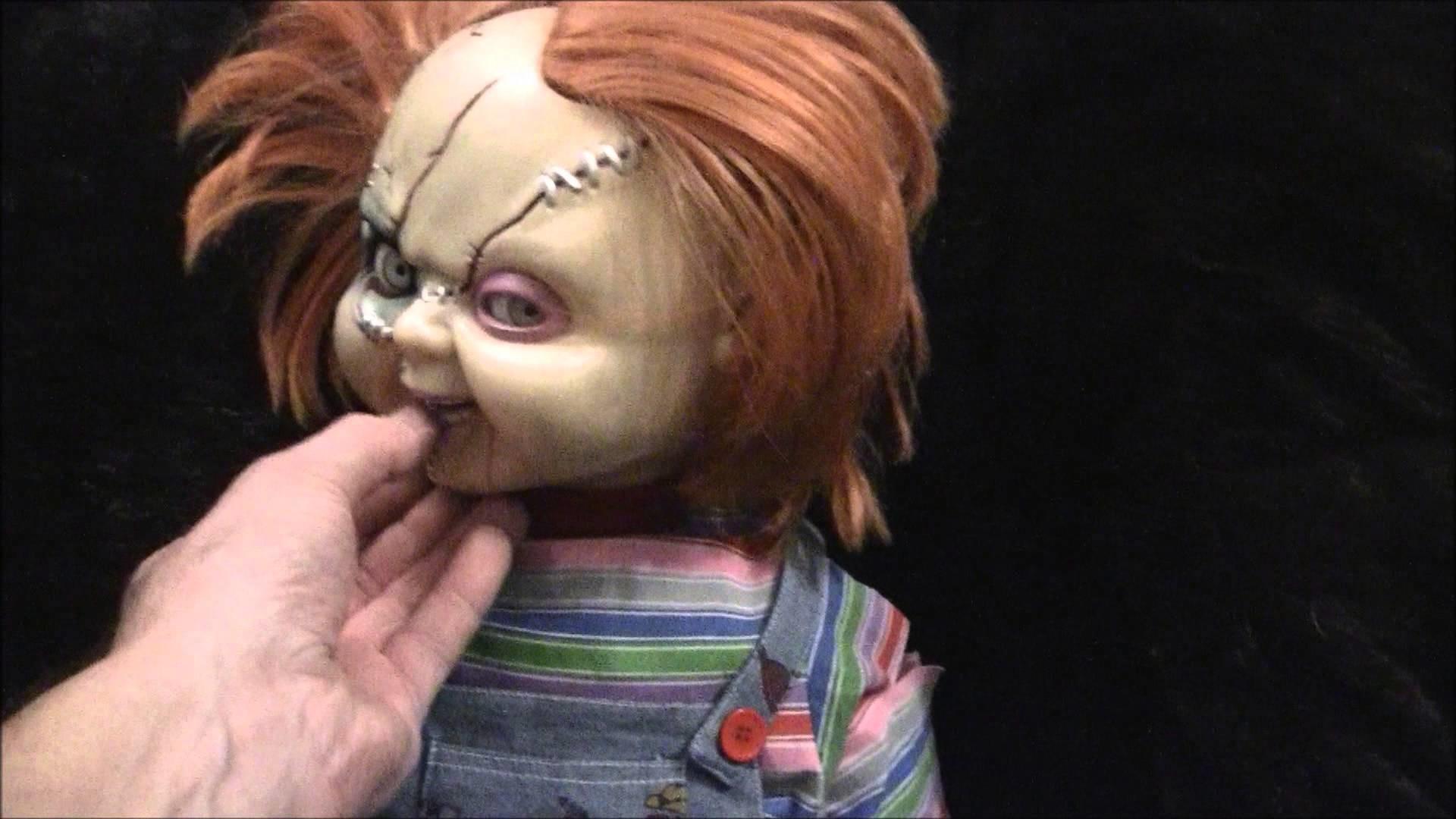 "Bride Of Chucky 25 "" Animated & Talking Good Guys Doll Dogs don't like  chucky – YouTube"