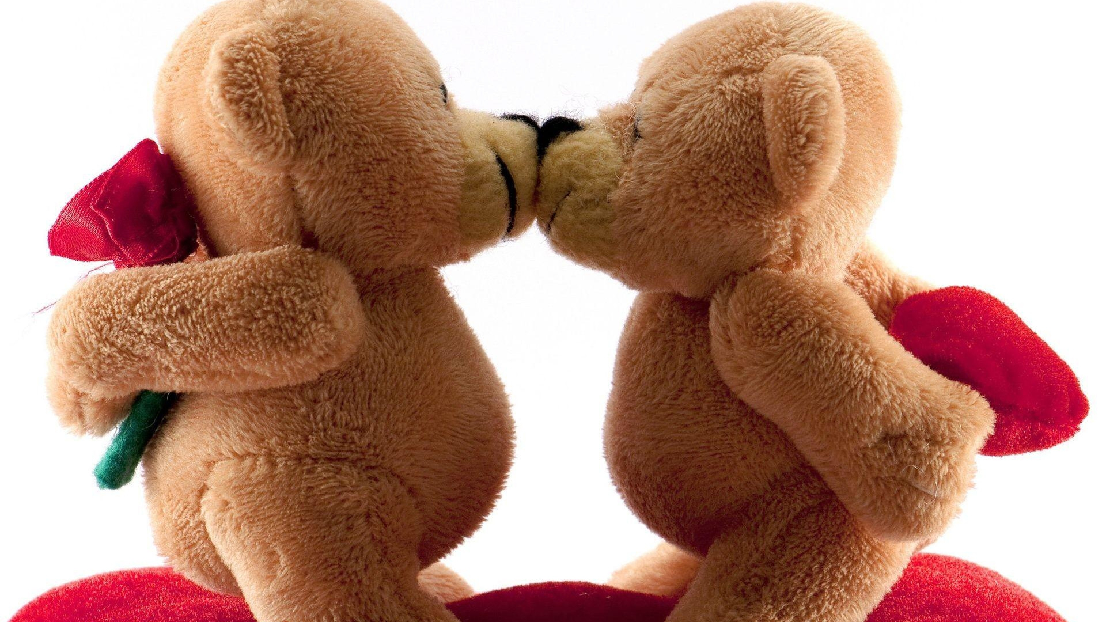 Preview wallpaper valentines day, bears, kiss, romance, gifts 3840×2160