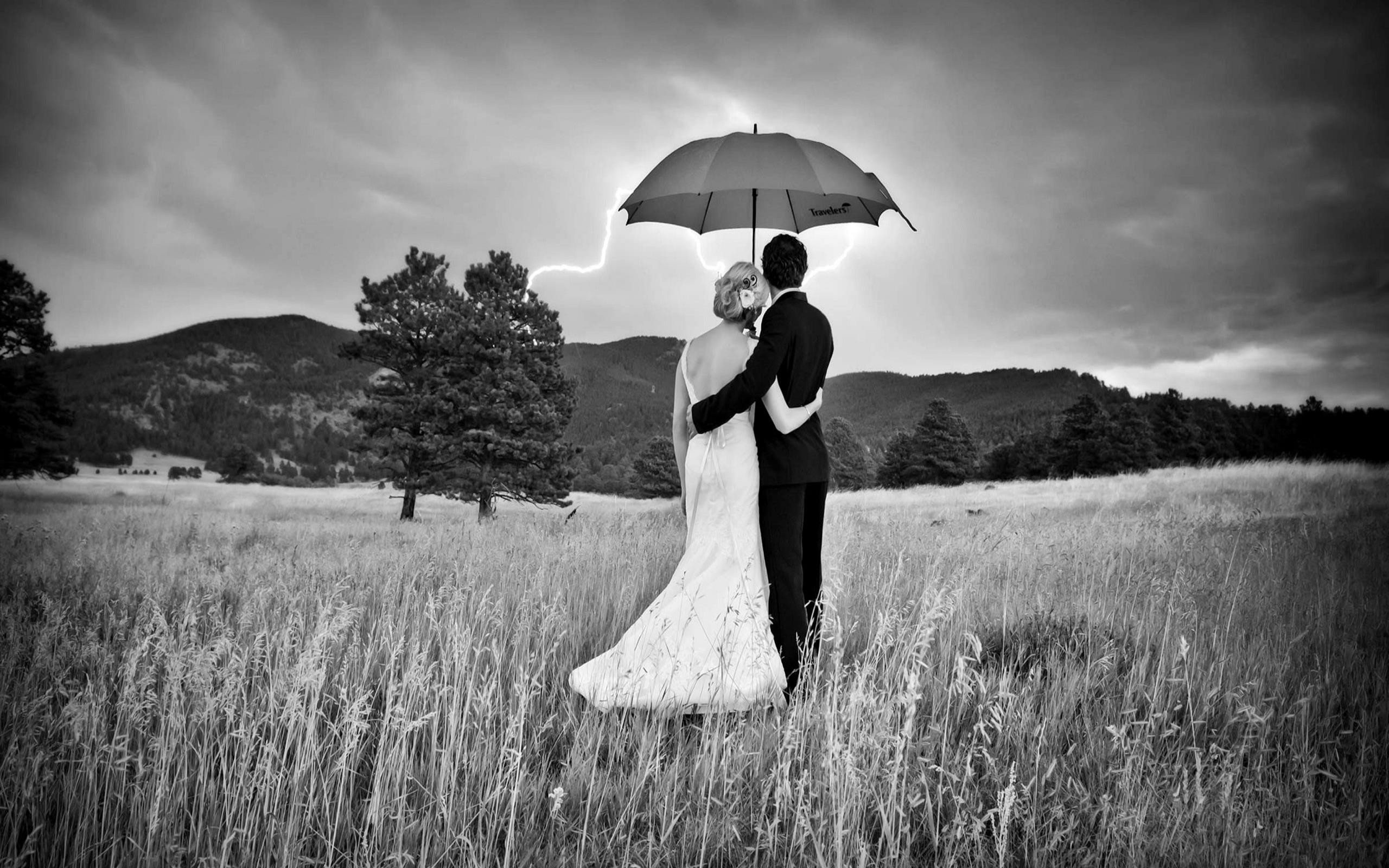 Black White Photography Love Couple Wallpaper
