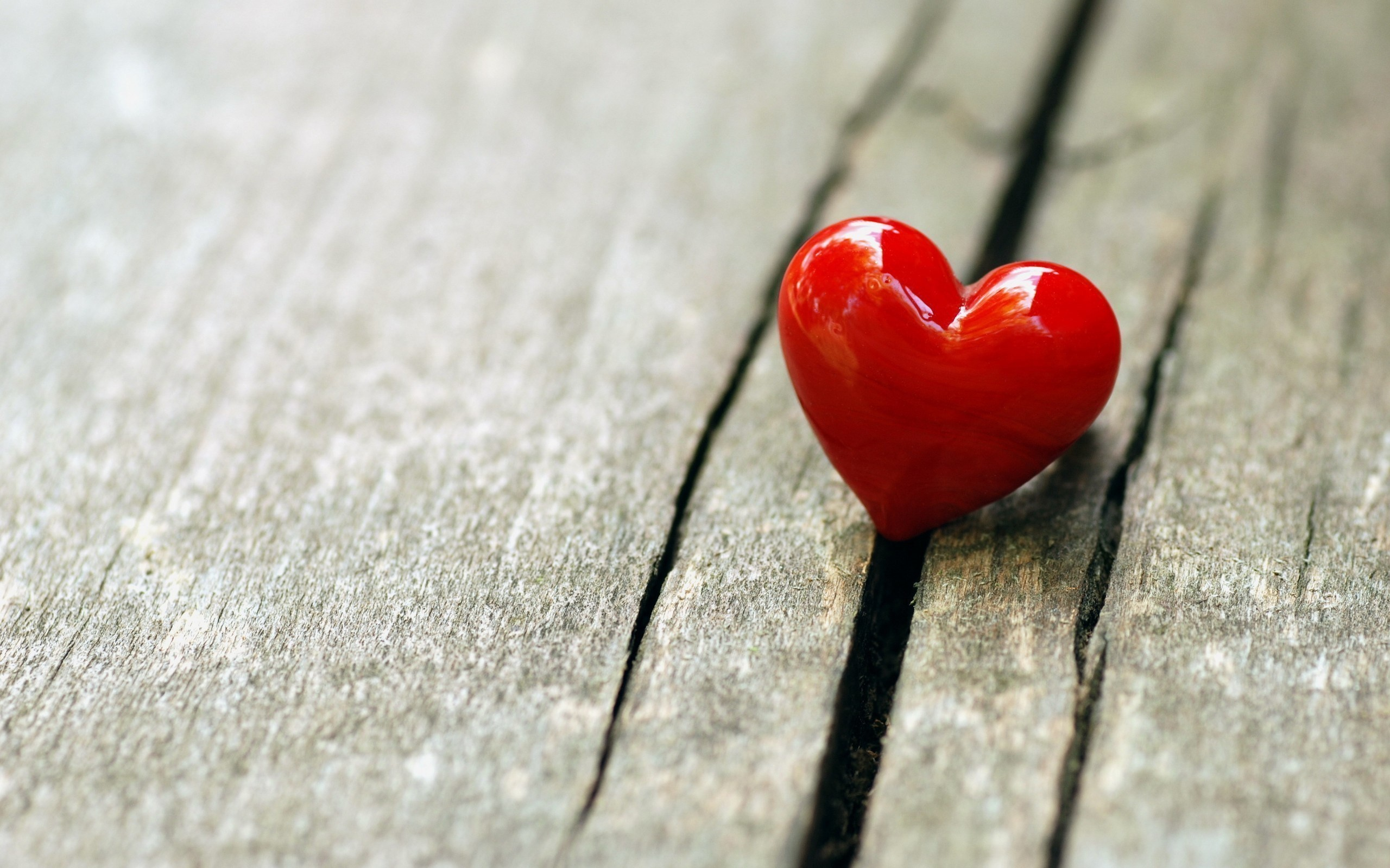 … red heart, glossy, mood, wooden, love, hd wallpaper