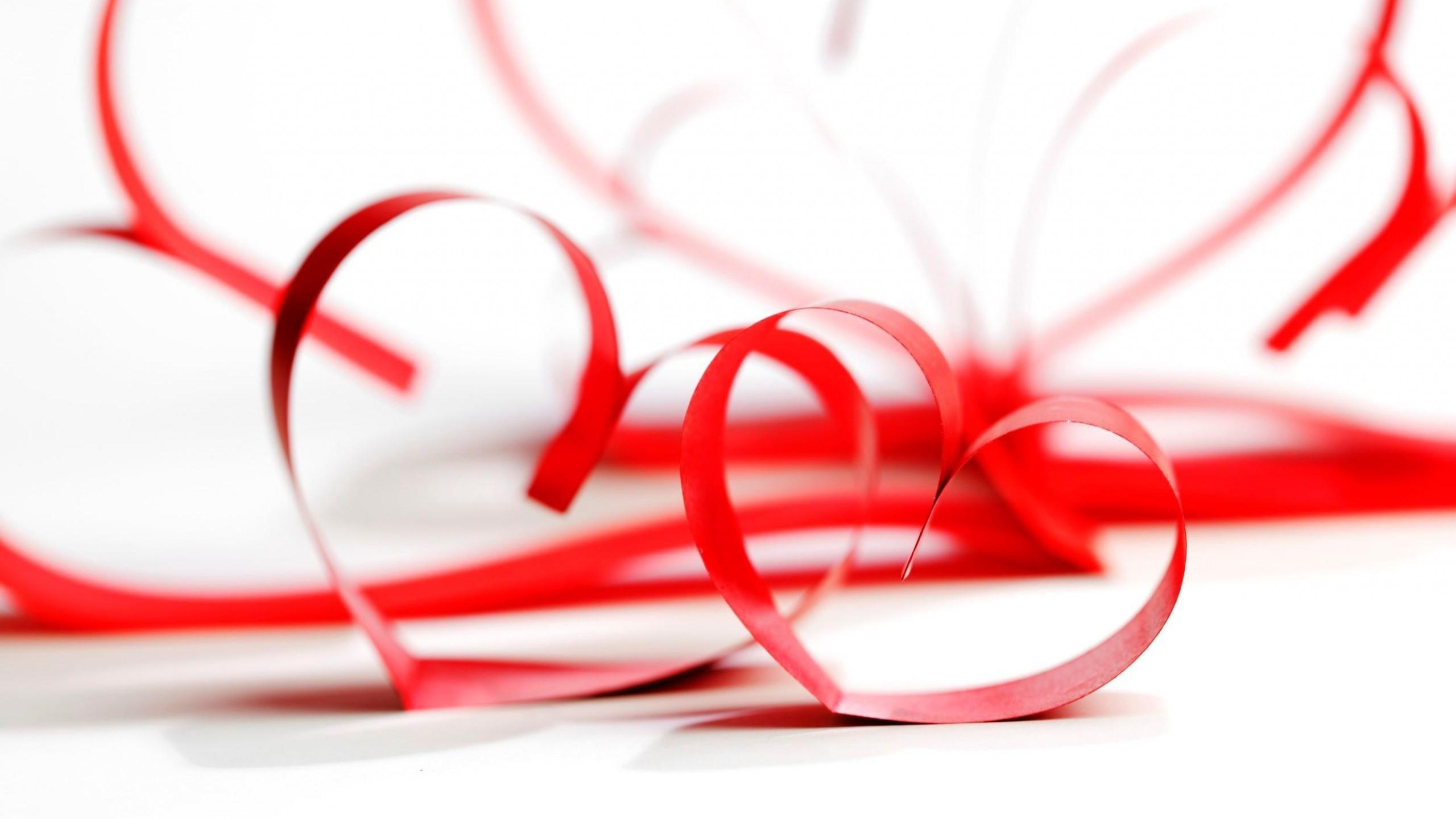 Love / Red Wallpaper