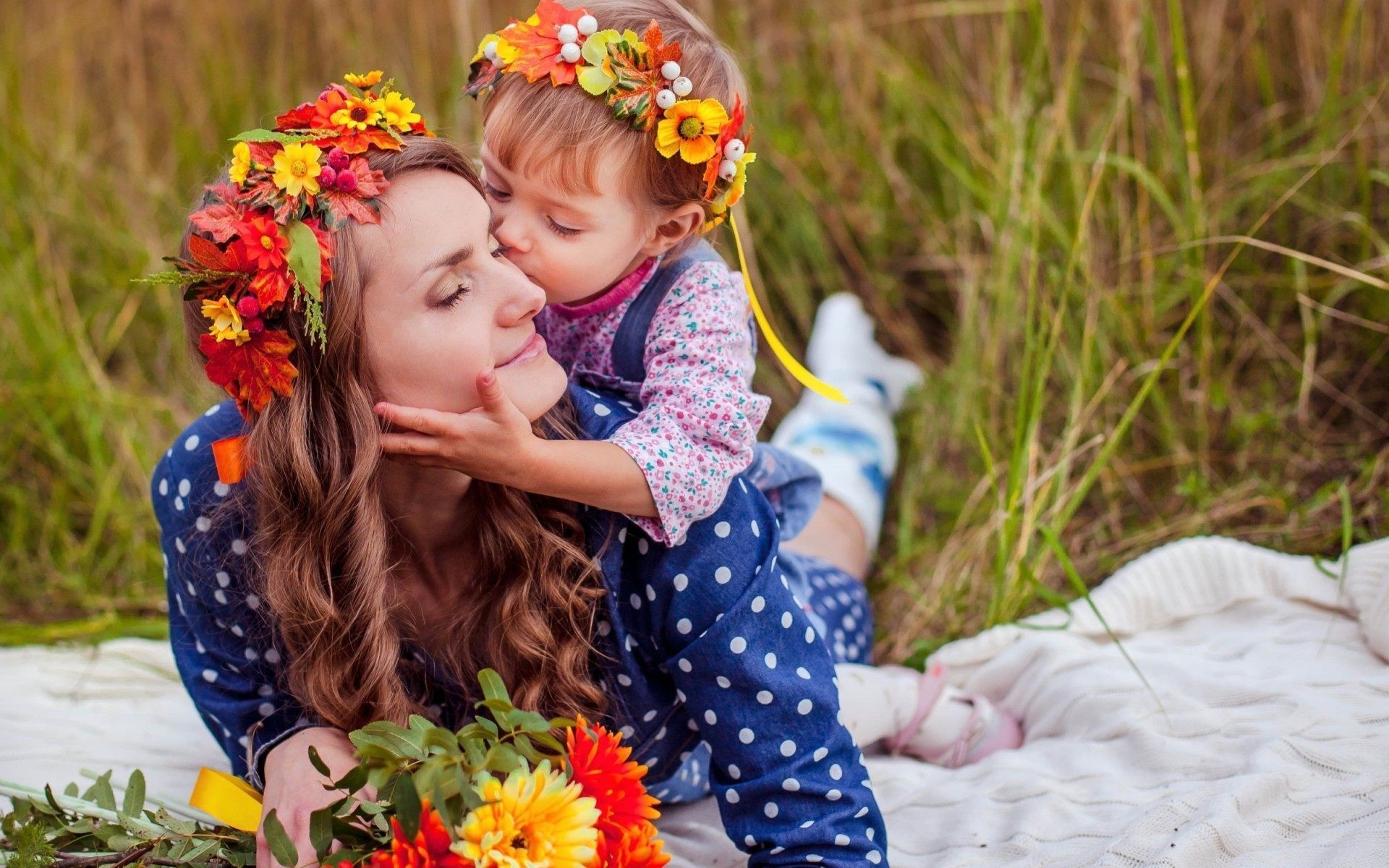 Mother Daughter Love Wallpaper Download Of Cute Family
