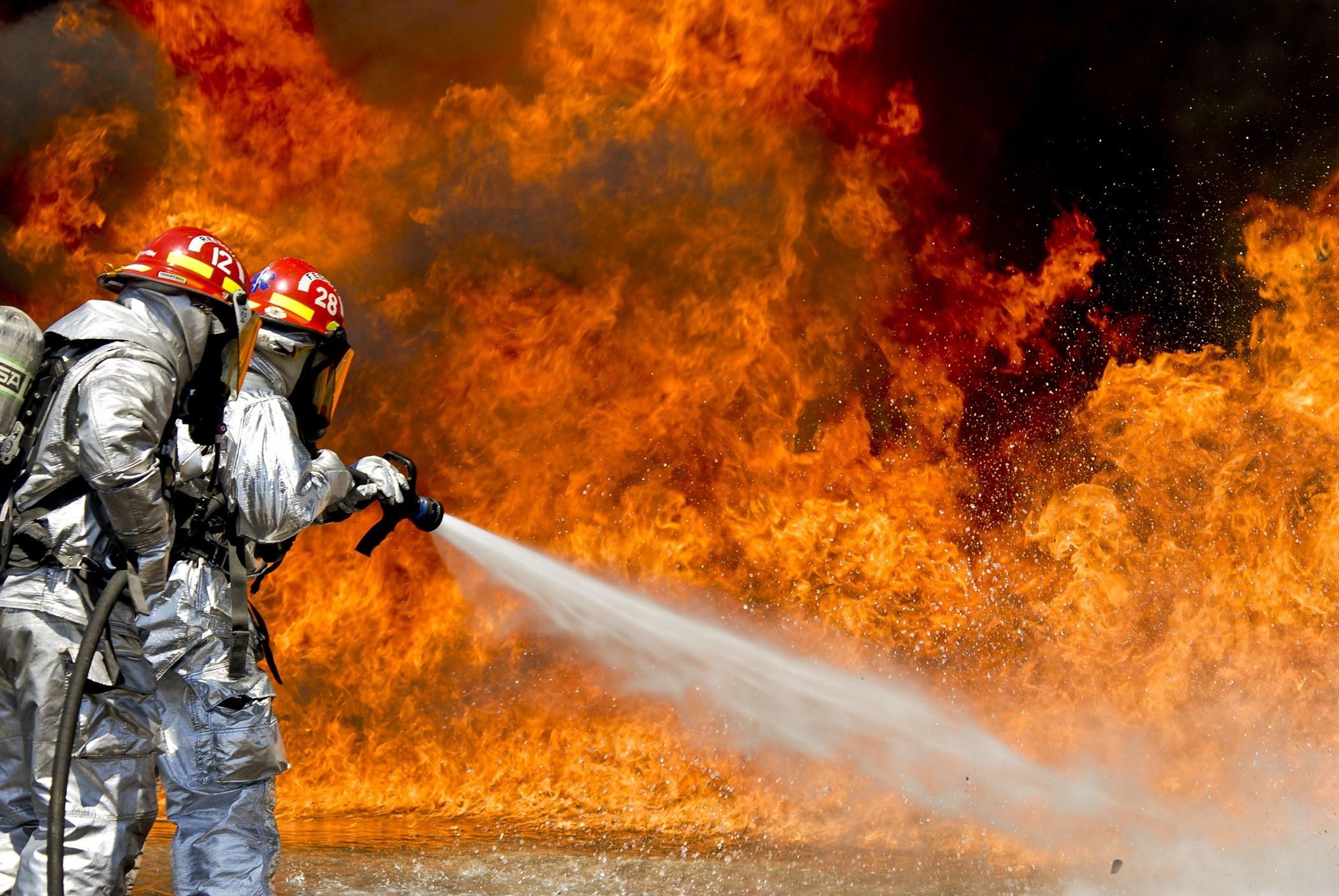 widescreen backgrounds firefighter, 729 kB – Grayling Walls