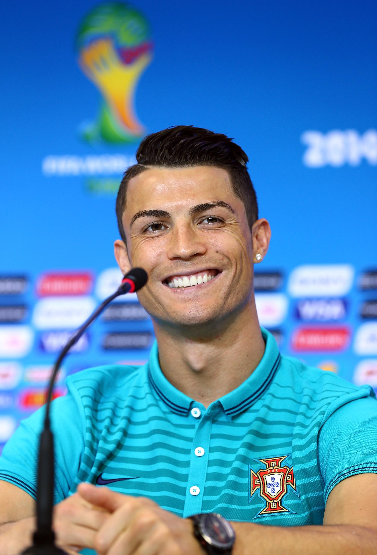 Best 20+ Ronaldo news ideas on Pinterest | Cr7 news, Ronaldo goals and Gold  football cleats