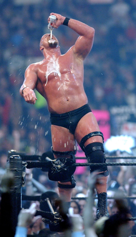 "Steve Austin at Wrestlemania 18 in 2002 ""Stone Cold"" …"