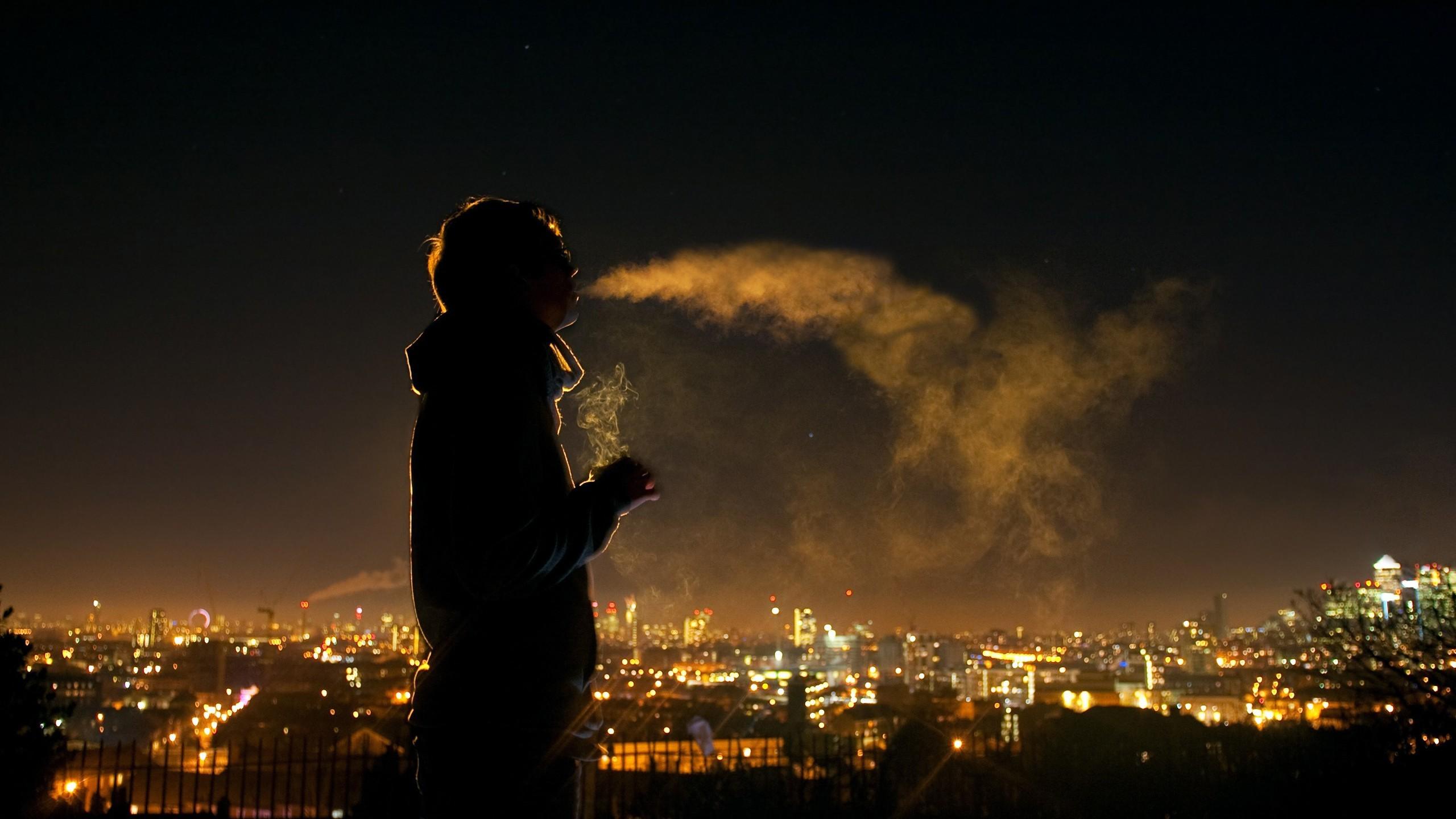 Smoking night smoke men people sillhouette cigarret wallpaper