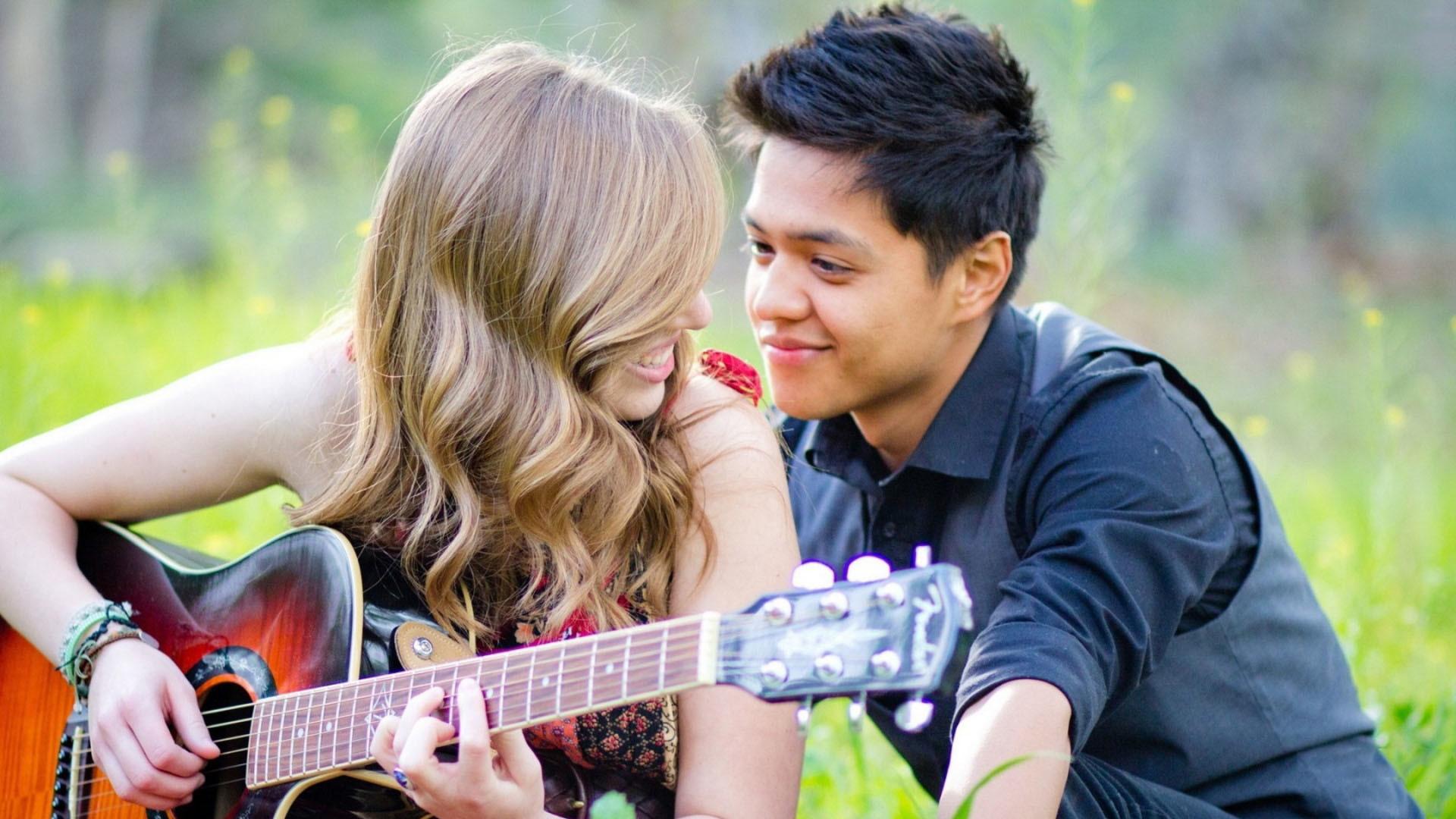 Love Romantic Cute Couple Wallpaper