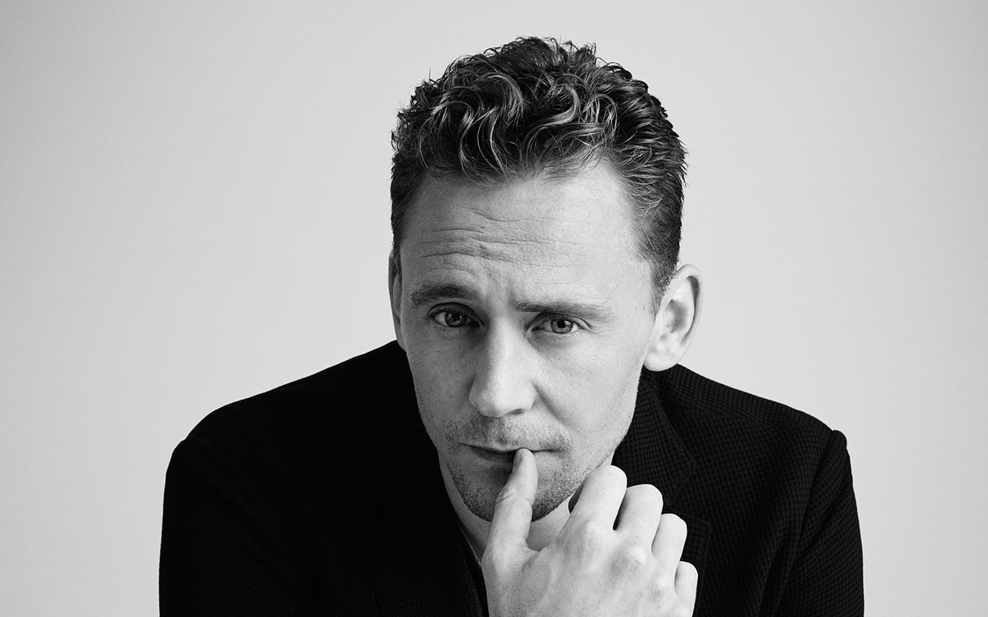 Monochrome Tom Hiddleston Wallpaper 55660 px .