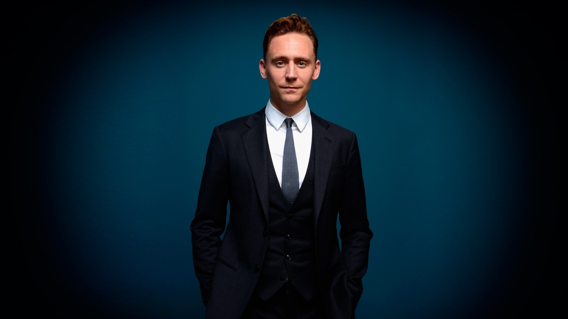 Preview wallpaper tom hiddleston, man, suit, style 1920×1080