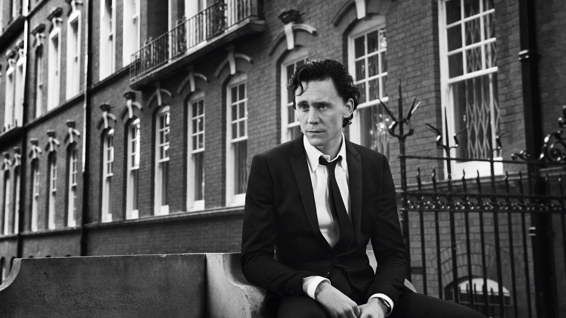 tom-hiddleston-wallpaper