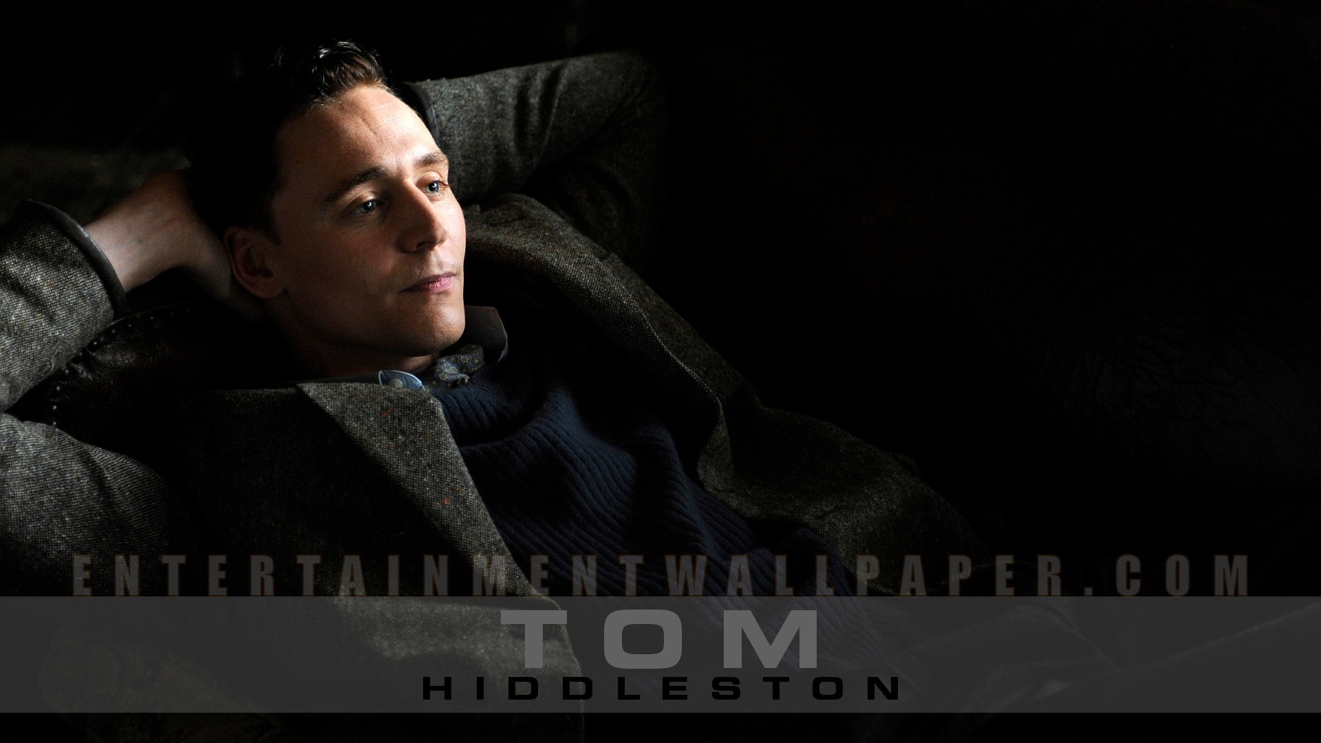 Tom Hiddleston Wallpaper – Original size, download now.
