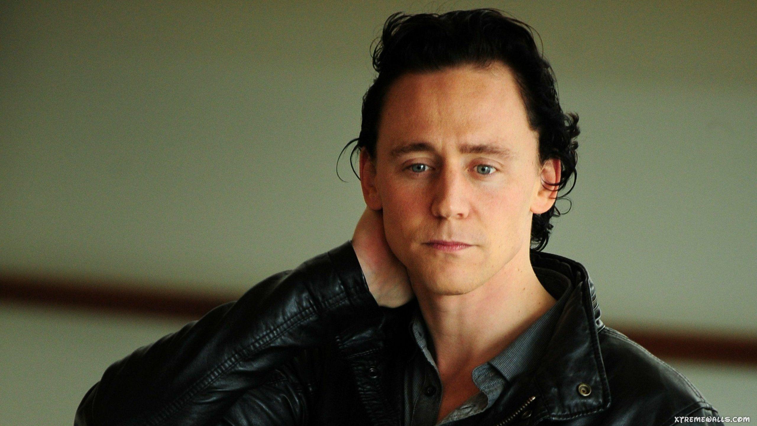 Tom Hiddleston High Resolution Wallpaper