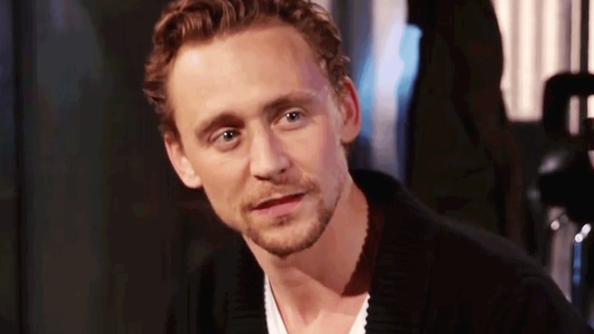 Tom Hiddleston Background