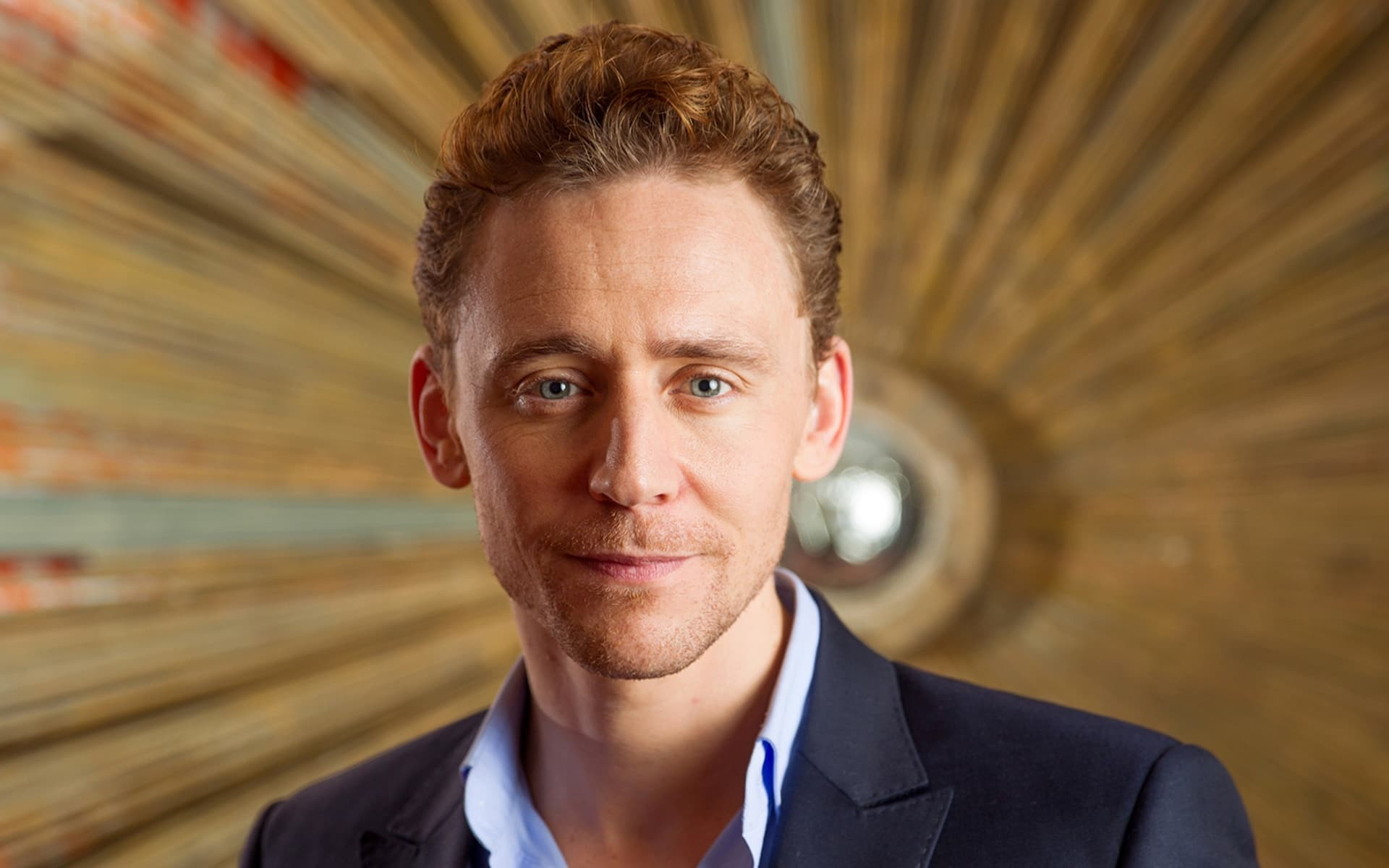 15+ Tom Hiddleston wallpapers High Quality Resolution Download