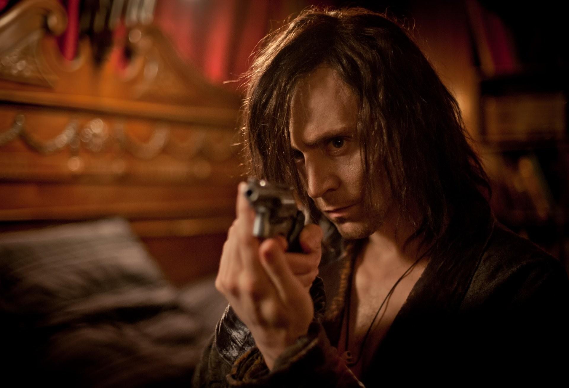tom hiddleston only lovers left alive only lovers left alive