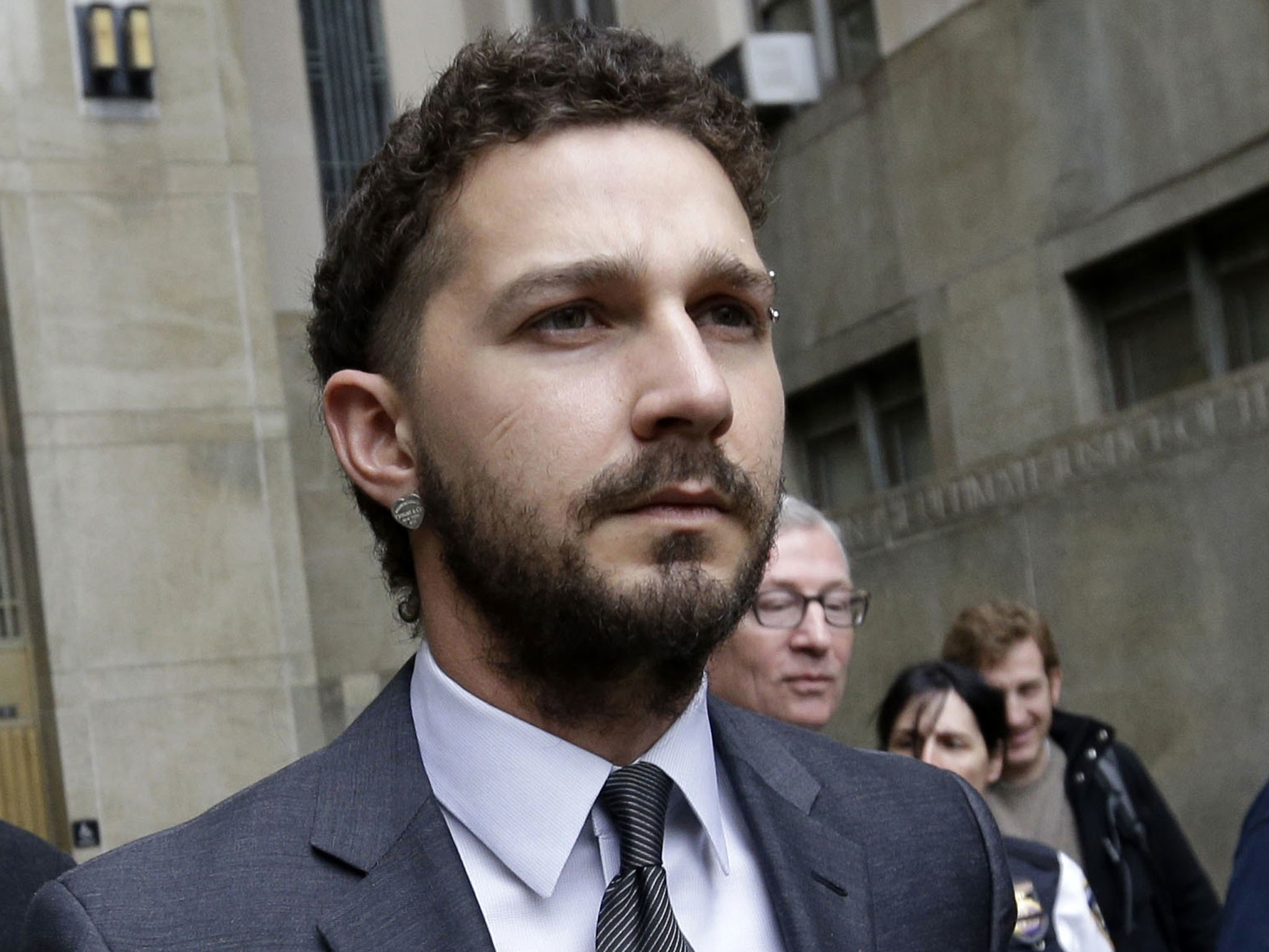 Shia LaBeouf hospitalised with head and hand injuries during filming of  American Honey | The Independent