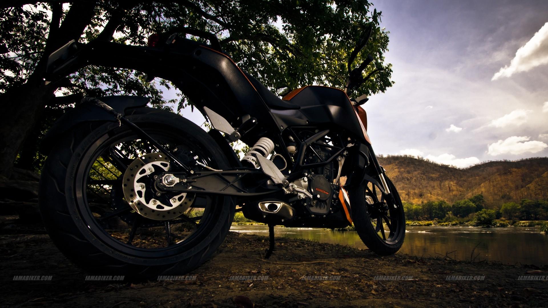 KTM Duke 200 wallpaper – Click for high resolution