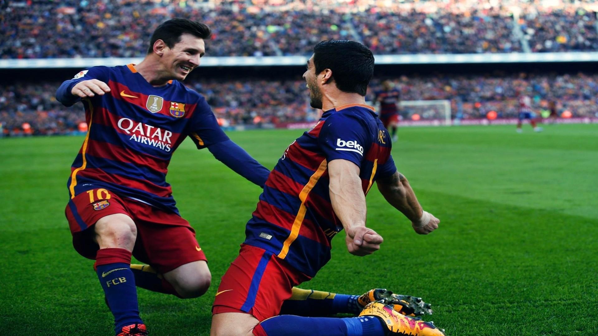 Barcelona Luis Suarez And Lionel Messi Goal Celebration. Wallpaper …