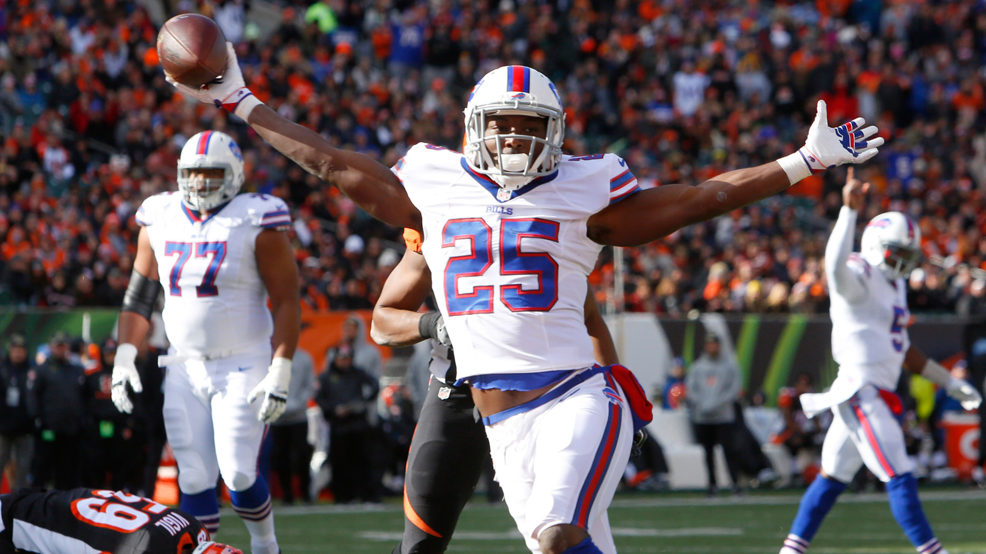 McCoy, Bills run game to 'throw the gauntlet' at Raiders defensive front |  NBCS Bay Area