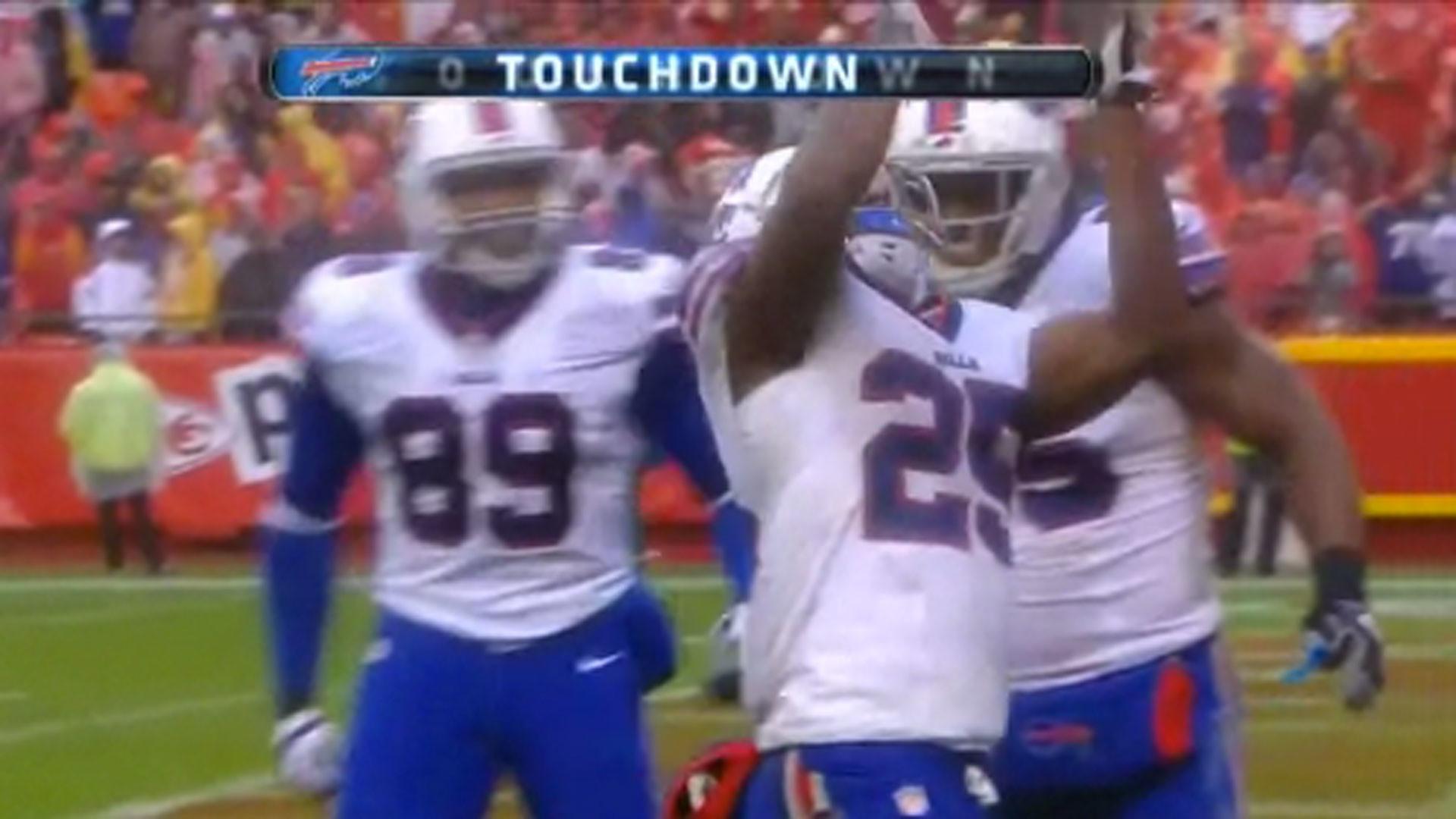 LeSean McCoy has the same TD celebration as Aaron Hernandez? | NFL |  Sporting News