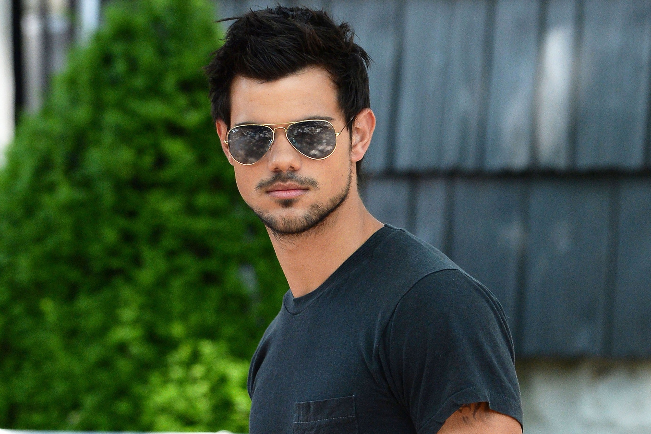 Taylor Lautner Pictures : Find best latest Taylor Lautner Pictures in HD  for your PC desktop