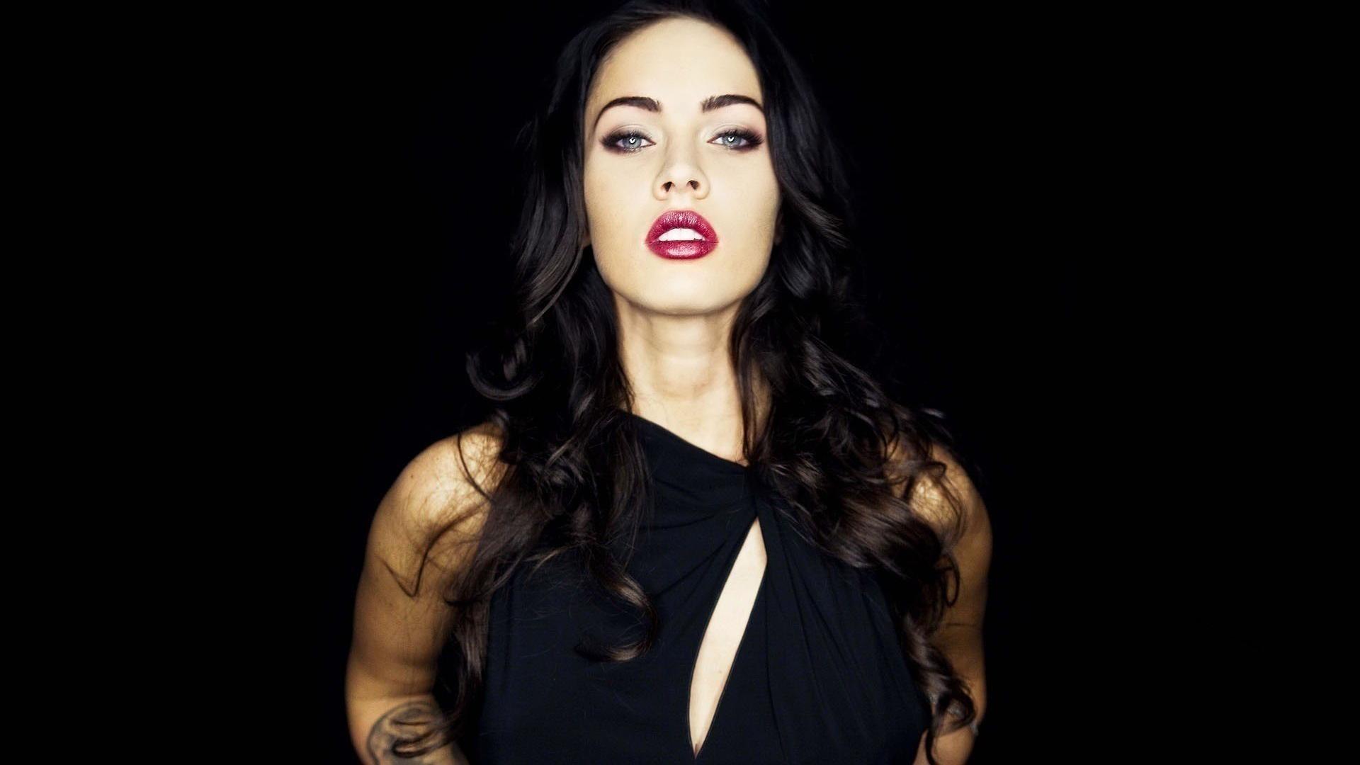 Megan Fox Hot Girl HD Wallpaper