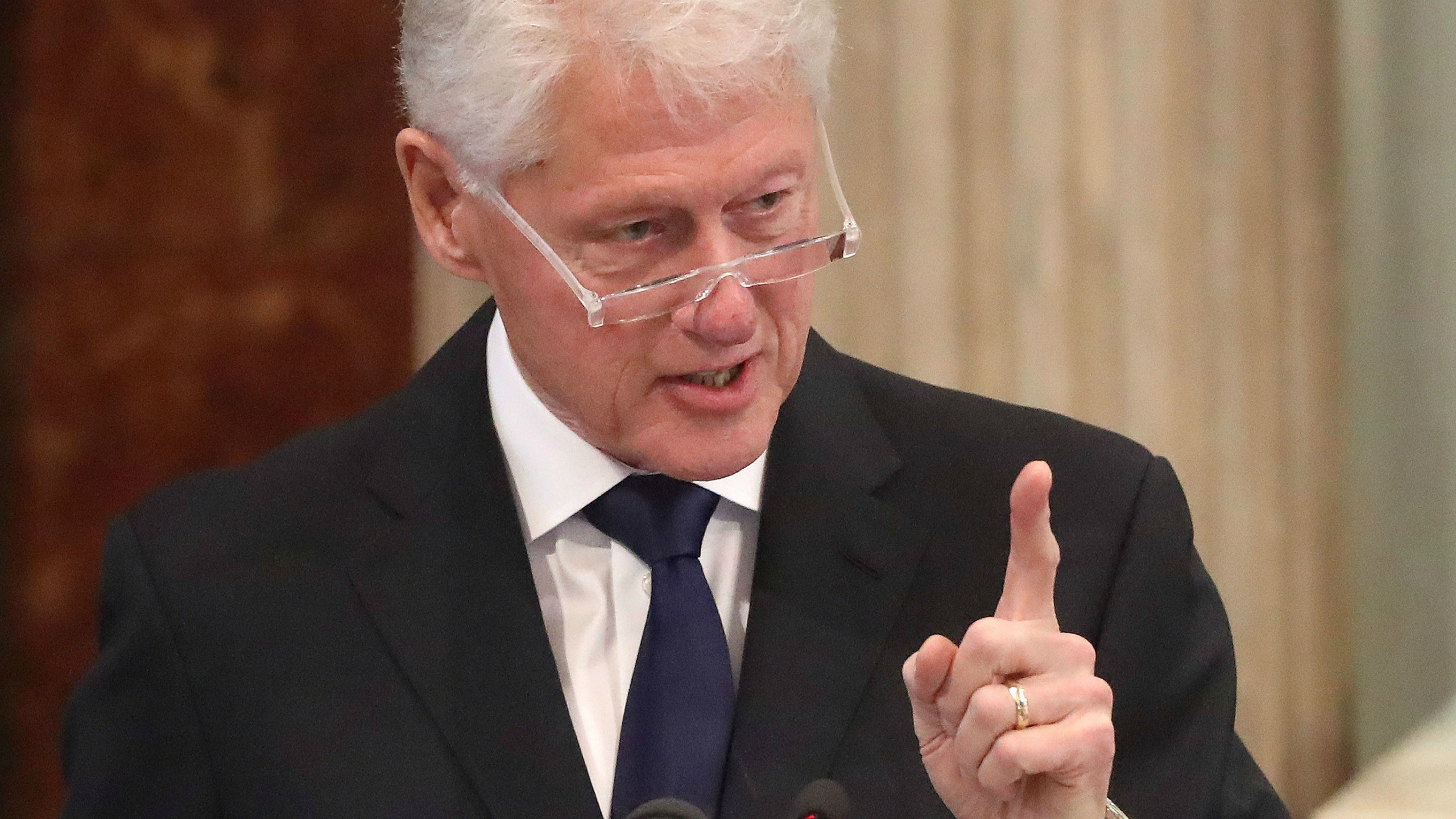New Bill Clinton Novel to Be Made Into Showtime Series – The Daily Beast